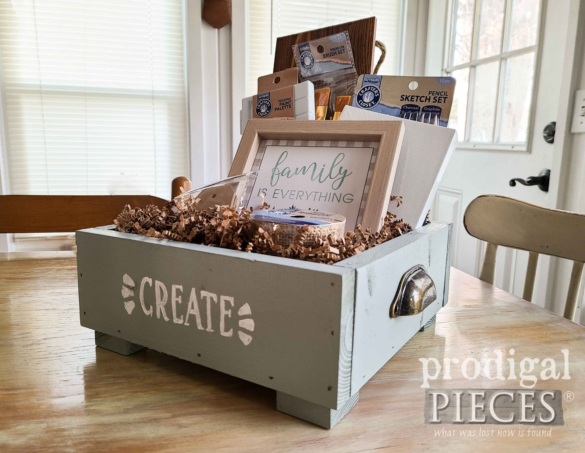 Family Fun Gift Box by Larissa of Prodigal Pieces | prodigalpieces.com #prodigalpieces #family #gift #christmas #diy #woodworking