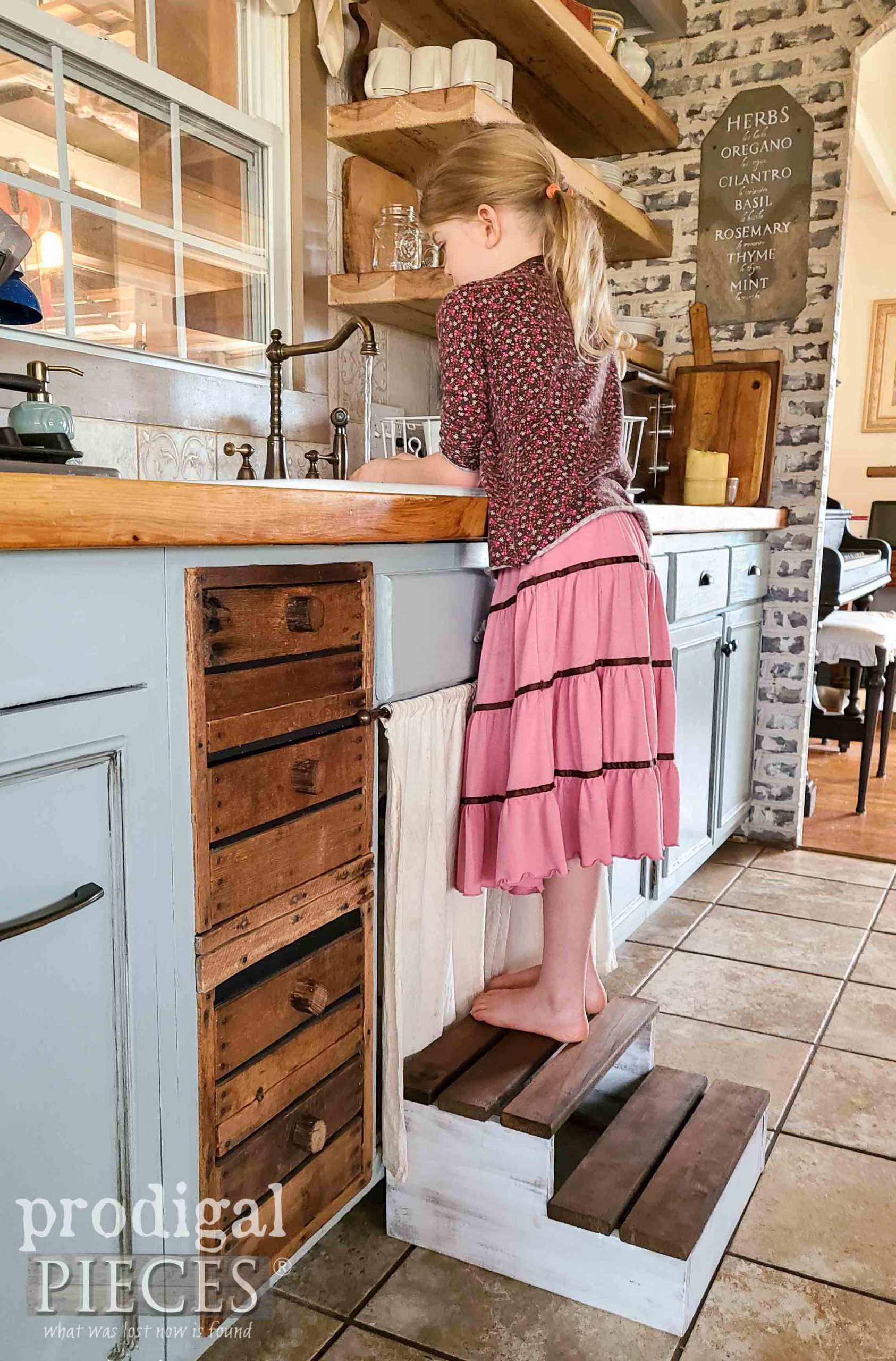 Farmhouse Kitchen DIY Wood Slat Stool from Upcycled Quilt Rack by Larissa of Prodigal Pieces | prodigalpieces.com #prodigalpieces #farmhouse #woodworking #home #homedecor