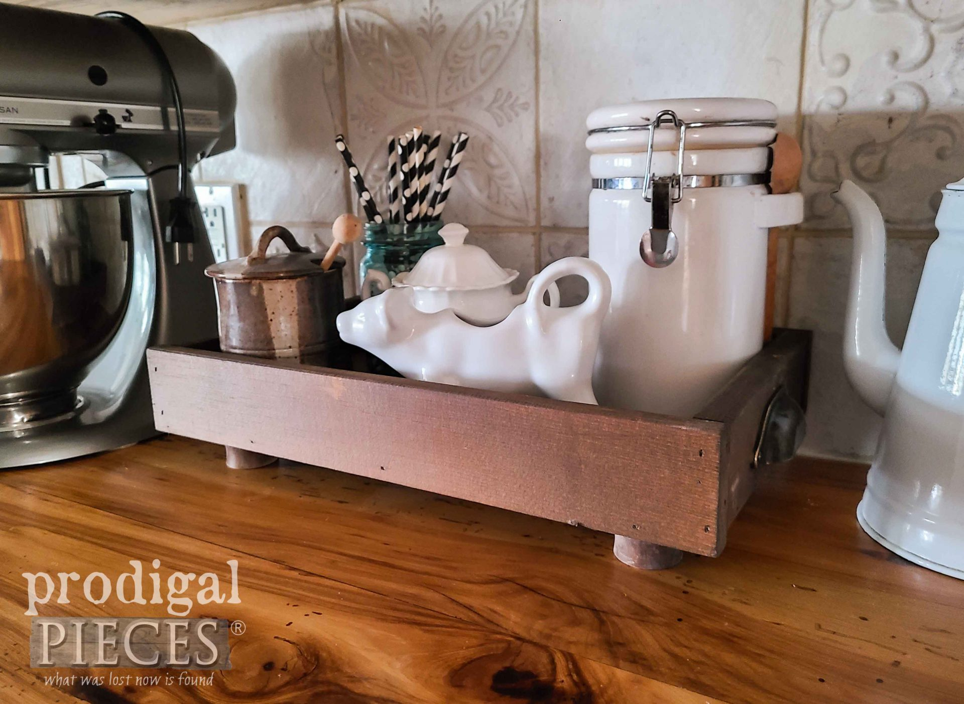 Farmhouse Kitchen DIY Wood Slat Tray from Scrap Wood by Larissa of Prodigal Pieces | prodigalpieces.com #prodigalpieces #farmhouse #diy #home #kitchen