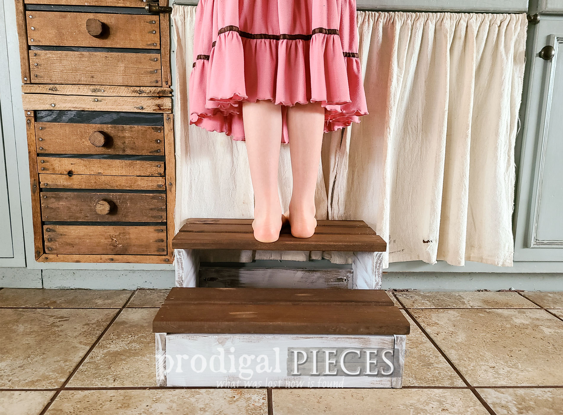 Featured DIY Wood Slat Projects by Larissa of Prodigal Pieces | prodigalpieces.com #prodigalpieces #diy #woodworking #handmade #home #homedecor