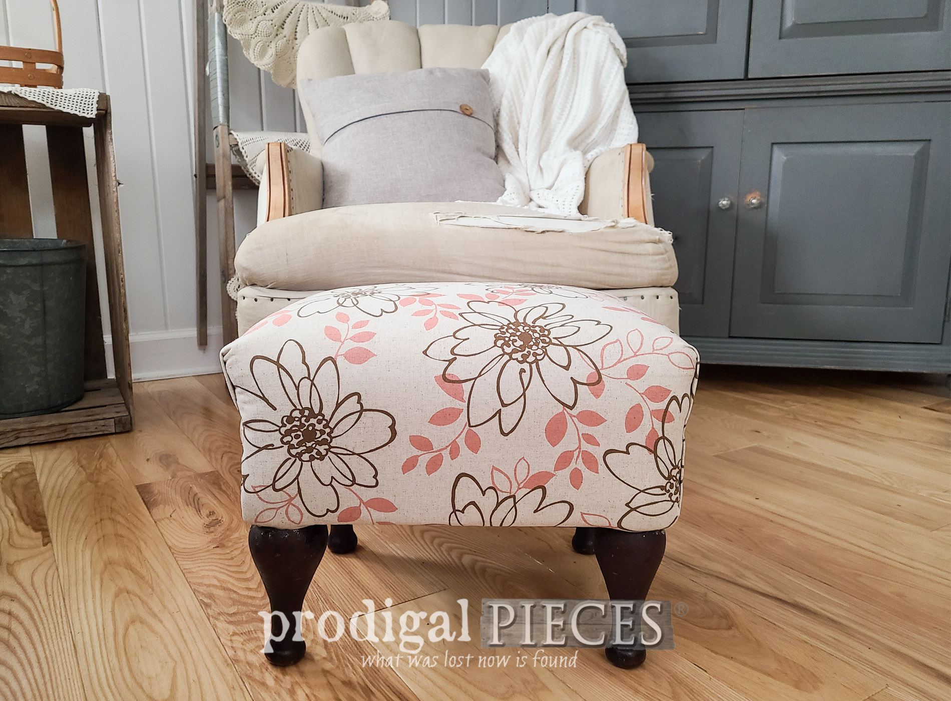 Featured Vintage Vinyl Footstool by Larissa of Prodigal Pieces | prodigalpieces.com #prodigalpieces #furniture #vintage #home #homedecor