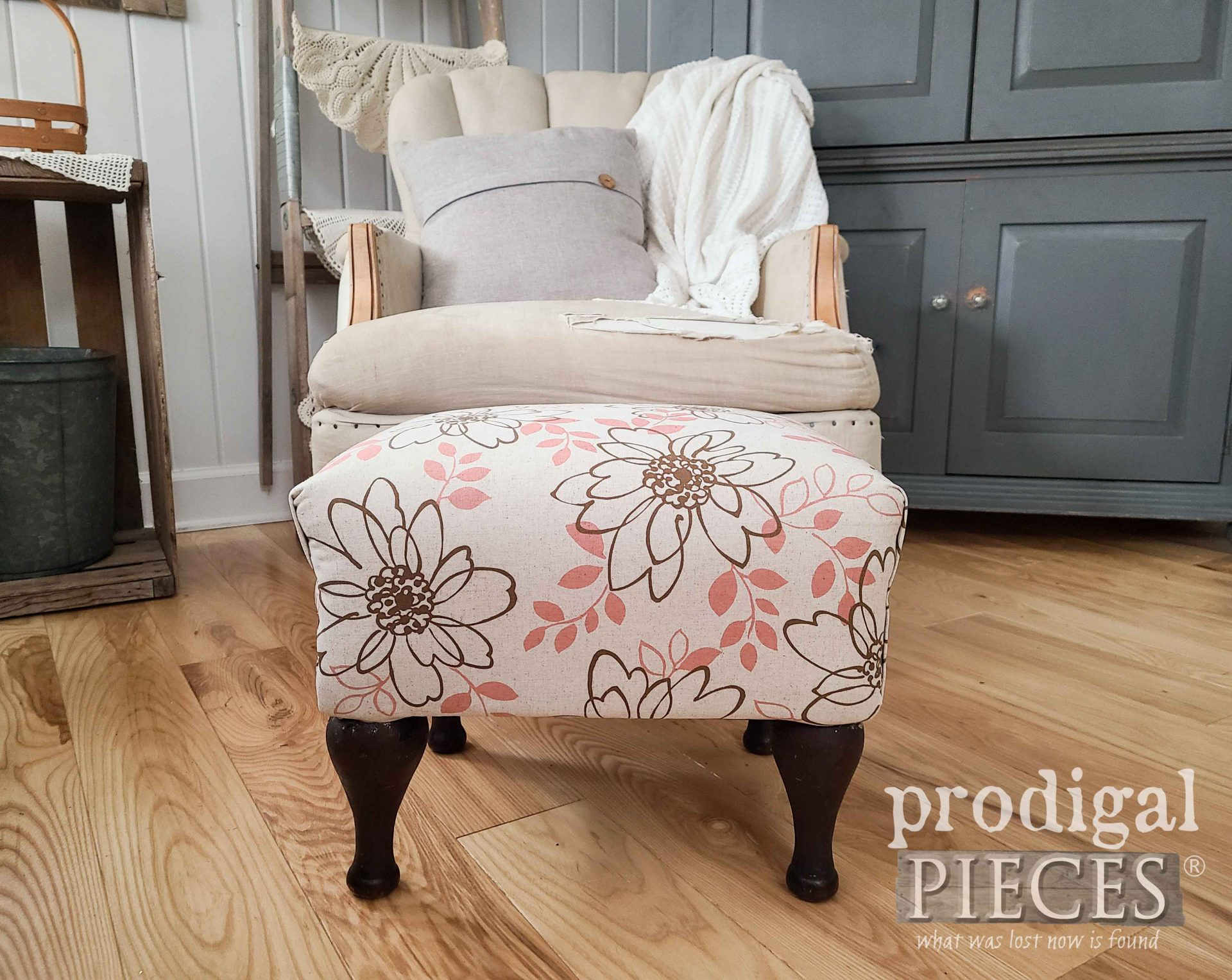 Vintage Vinyl Footstool with Modern Makeover by Larissa of Prodigal Pieces | prodigalpieces.com #prodigalpieces #furniture #vintage #upholstery