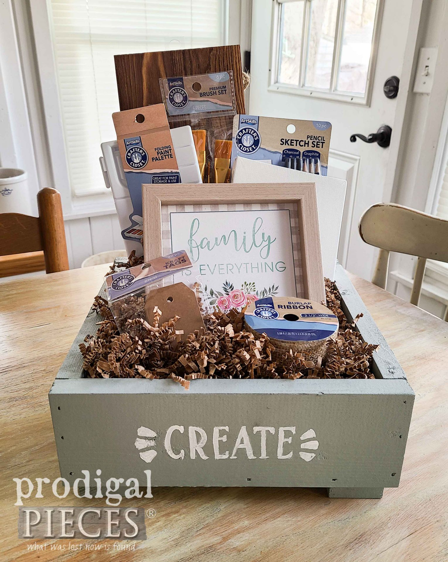 Let's Create! DIY Family Gift Box with tutorial by Larissa of Prodigal Pieces | prodigalpieces.com #prodigalpieces #tutorial #diy #handmade #gift #christmas