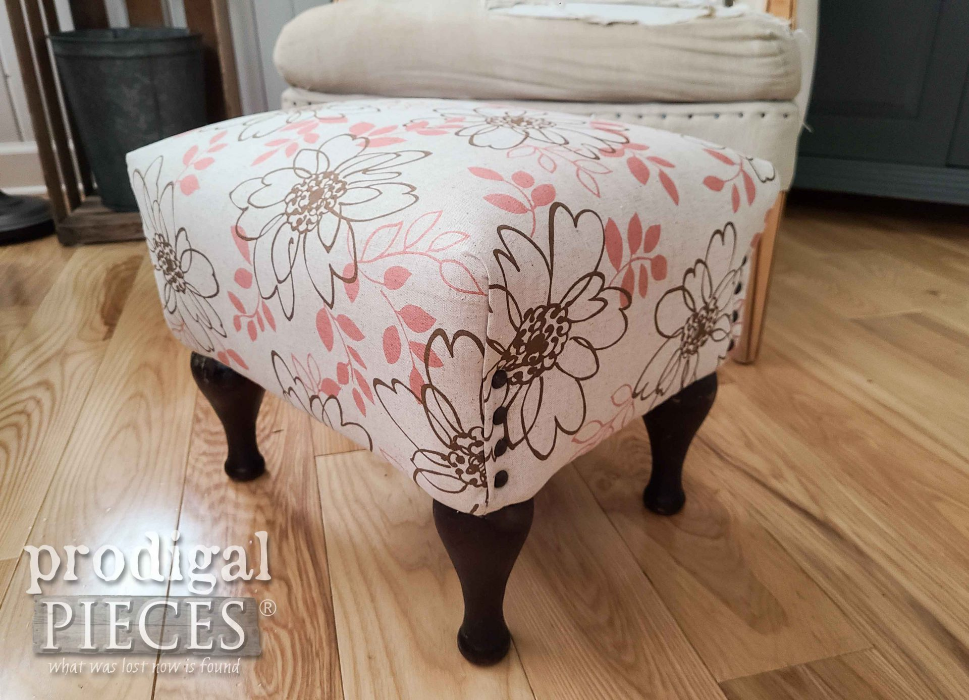 Nailhead Linen Footstool with Floral Design by Larissa of Prodigal Pieces | prodigalpieces.com #prodigalpieces #furniture #vintage #home #homedecor