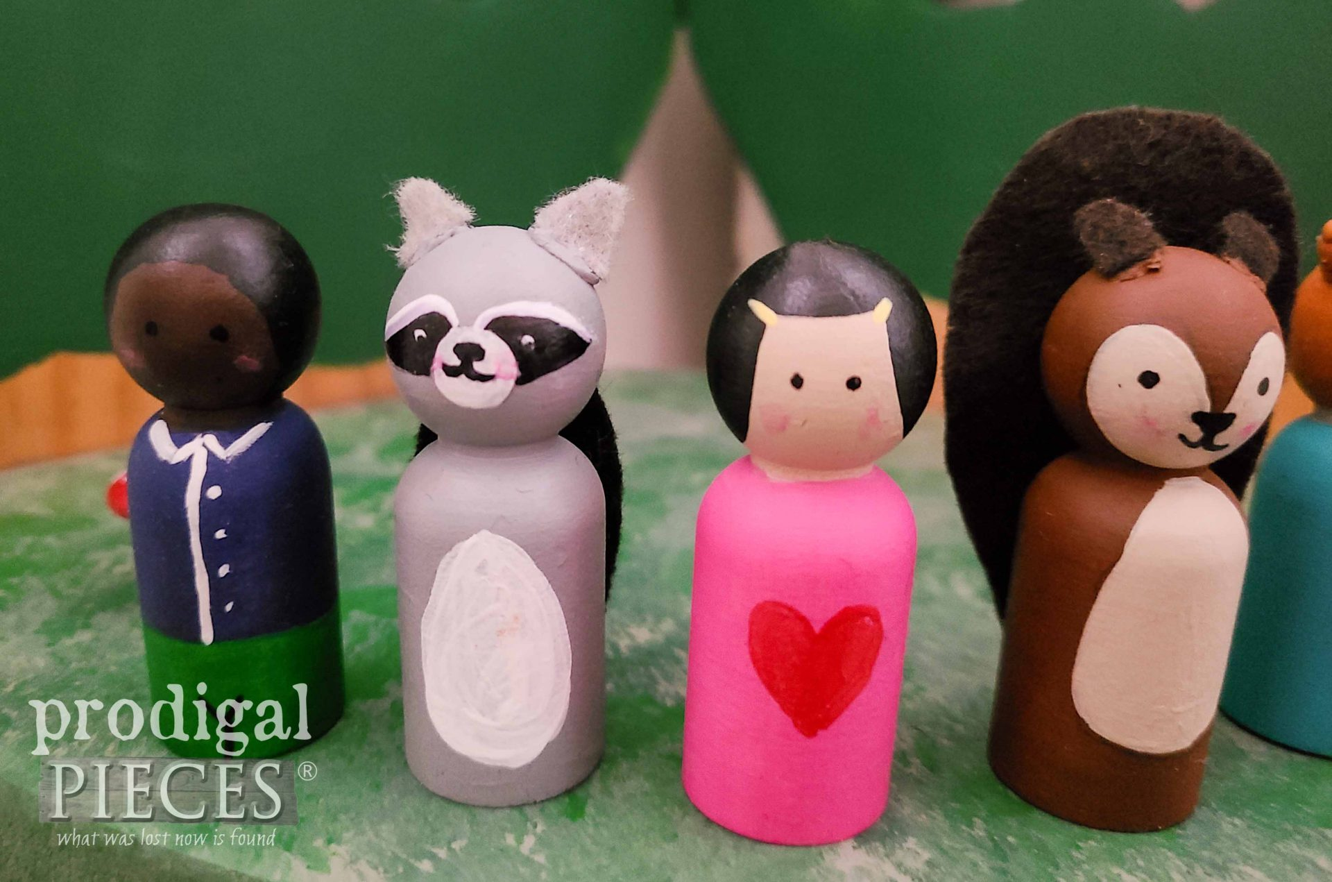 Adorable Painted Peg Dolls for Treehouse Playset from Upcycled Peg Dolls by Larissa of Prodigal Pieces | prodigalpieces.com #prodigalpieces #handmade #toys