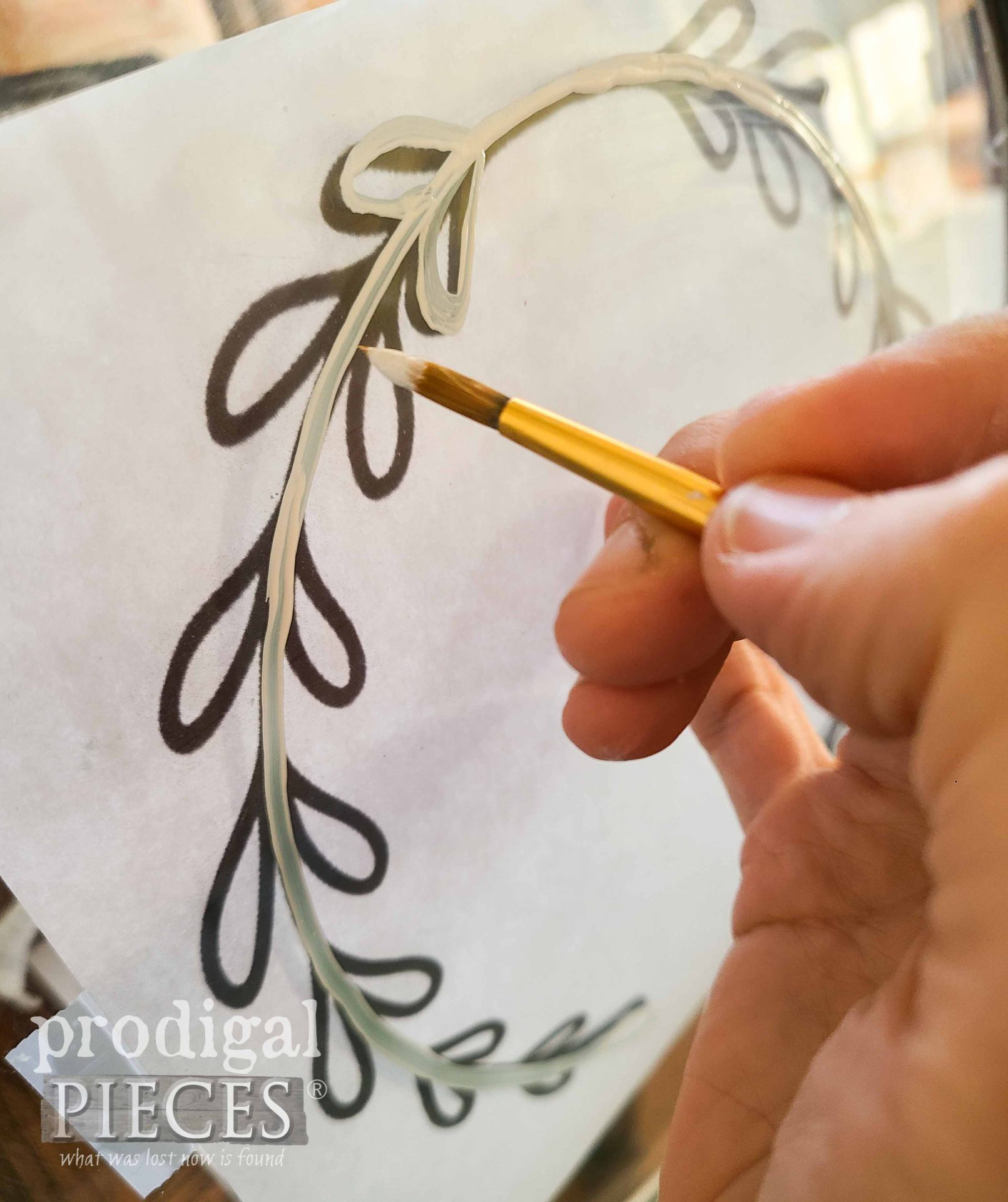 Painting Wreath on Table | prodigalpieces.com #prodigalpieces