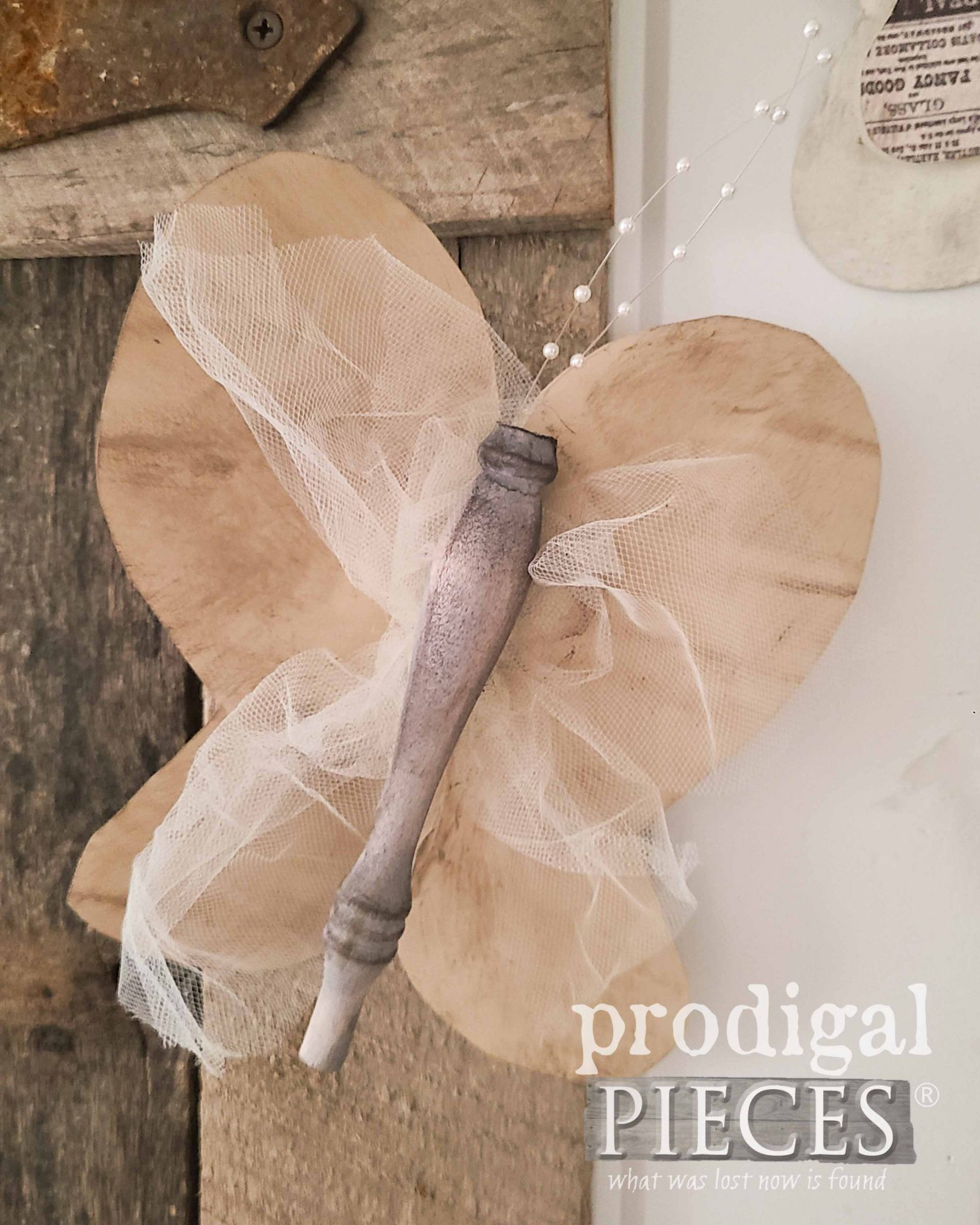 Beige Tulle Butterfly by Larissa of Prodigal Pieces | prodigalpieces.com #prodigalpieces #crafts #butterfly #upcycled