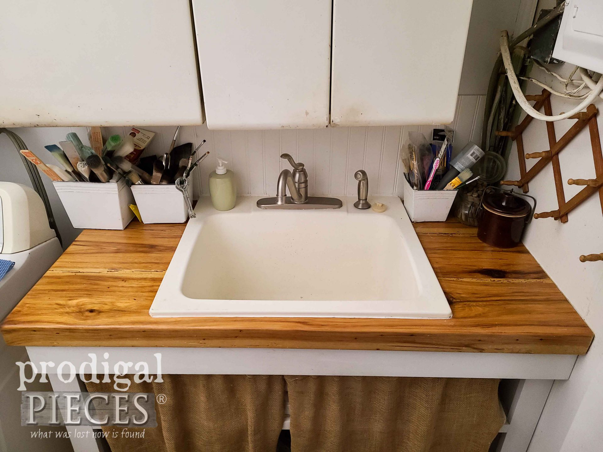 DIY Farmhouse Laundry Sink by Prodigal Pieces | prodigalpieces.com #prodigalpieces #diy #home #laundry