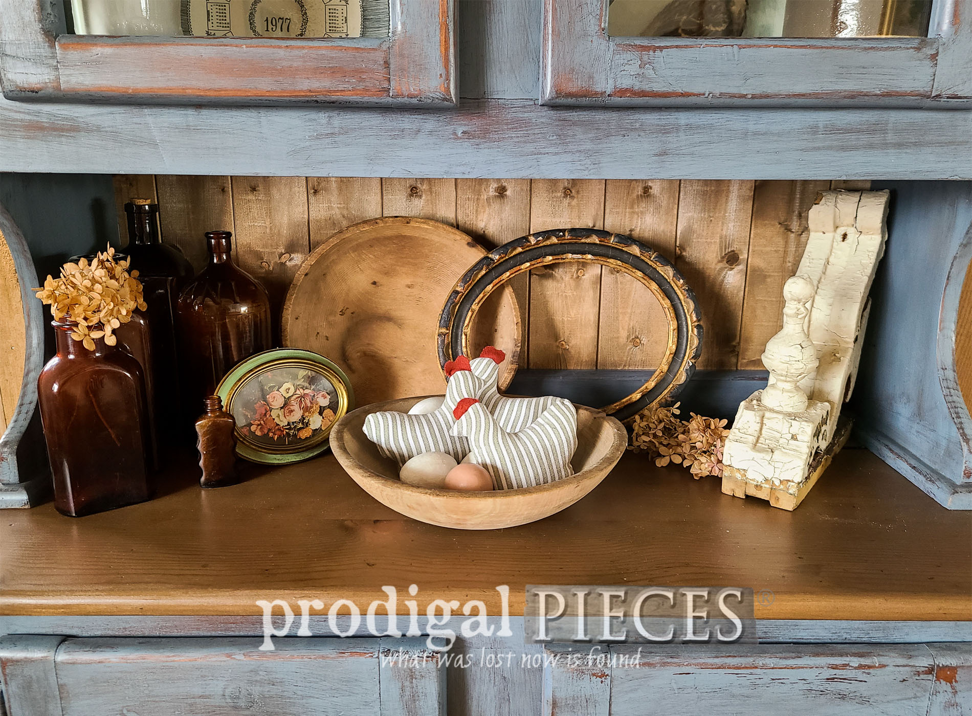 Featured Upcycled Bowl Filler Refashioned from Clothes by Larissa of Prodigal Pieces | prodigalpieces.com #prodigalpieces