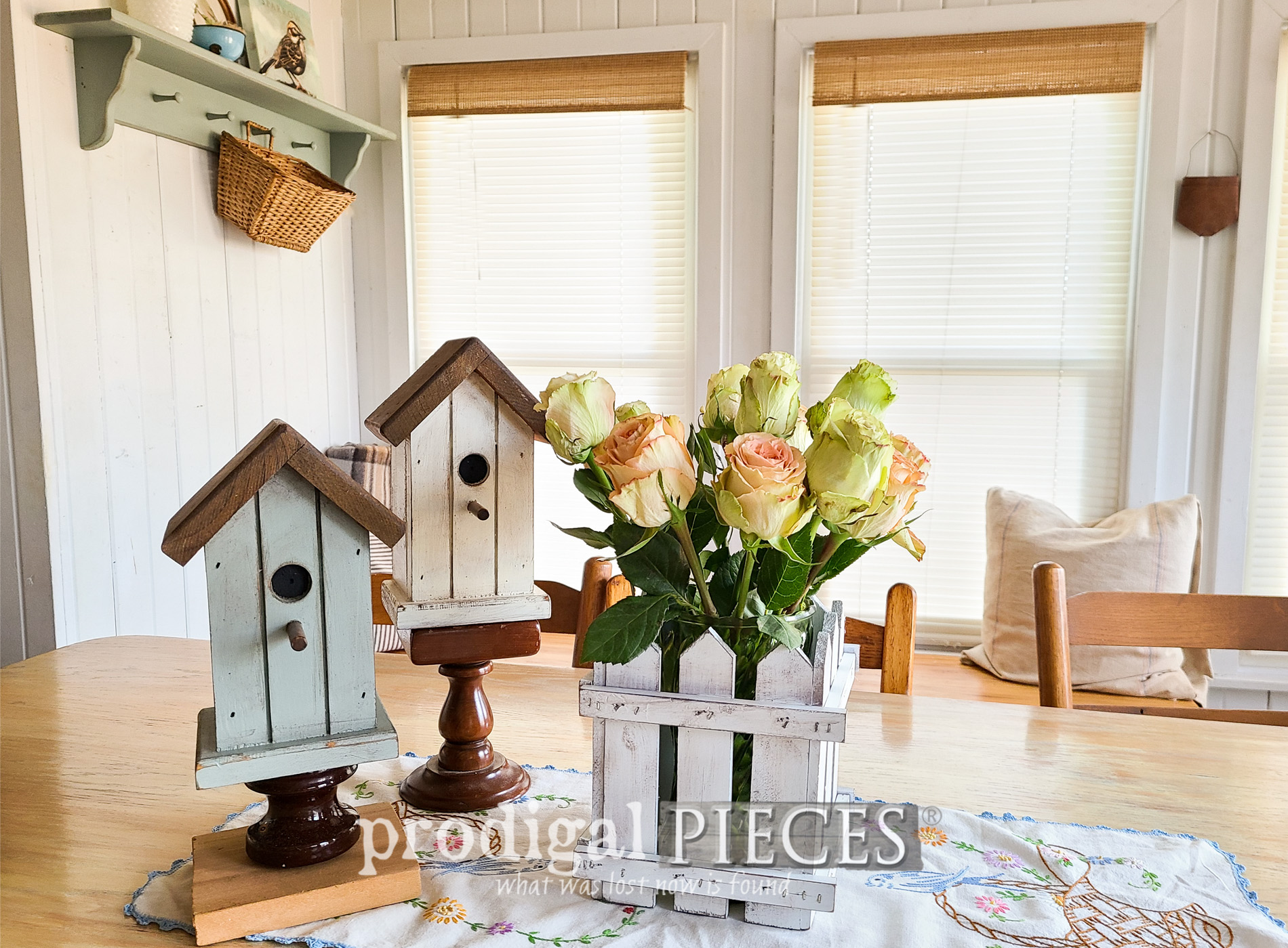 Featured Upcycled Vintage Shelf into 4 Home Decor Projects by Larissa of Prodigal Pieces | prodigalpieces.com #prodigalpieces #home #diy #vintage #home #homedecor
