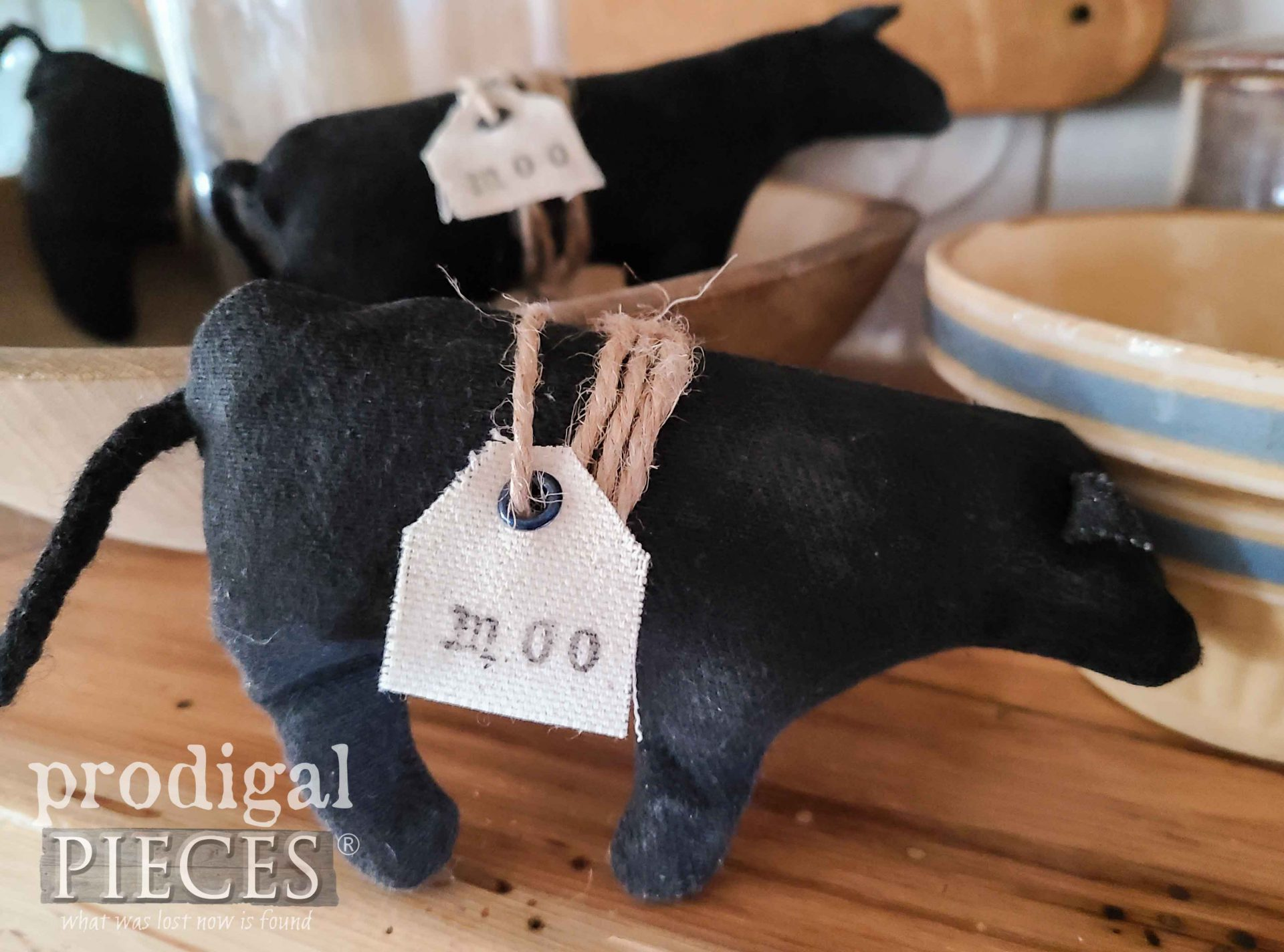 Handmade Black Angus Cow Bowl Filler by Larissa of Prodigal Pieces | prodigalpieces.com #prodigalpieces #farmhouse #cow #animal #prim #home #homedecor