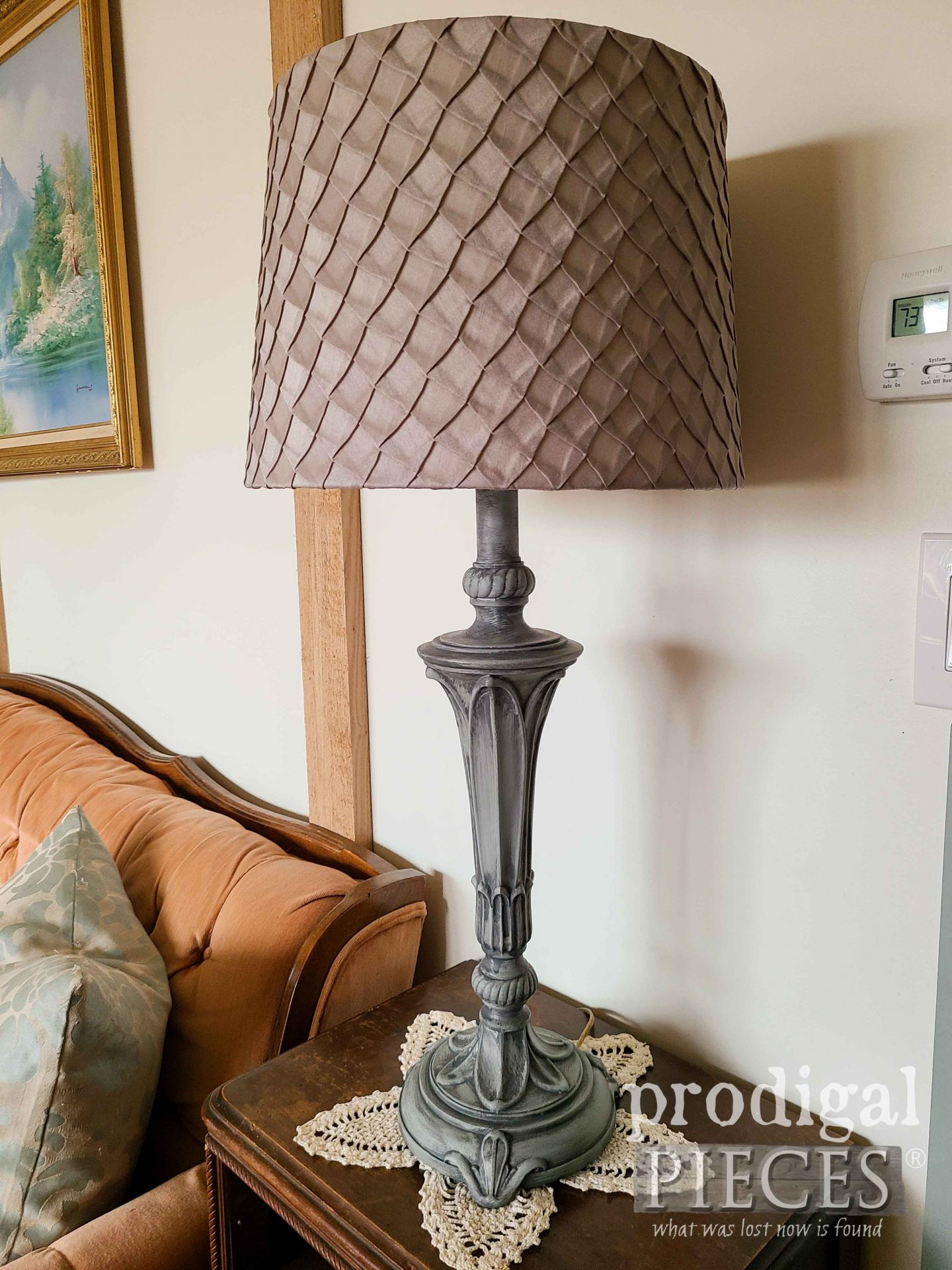 Vintage Table Lamps Painted with Glazing by Larissa of Prodigal Pieces | prodigalpieces.com #prodigalpieces #diy #vintage #home #homedecor