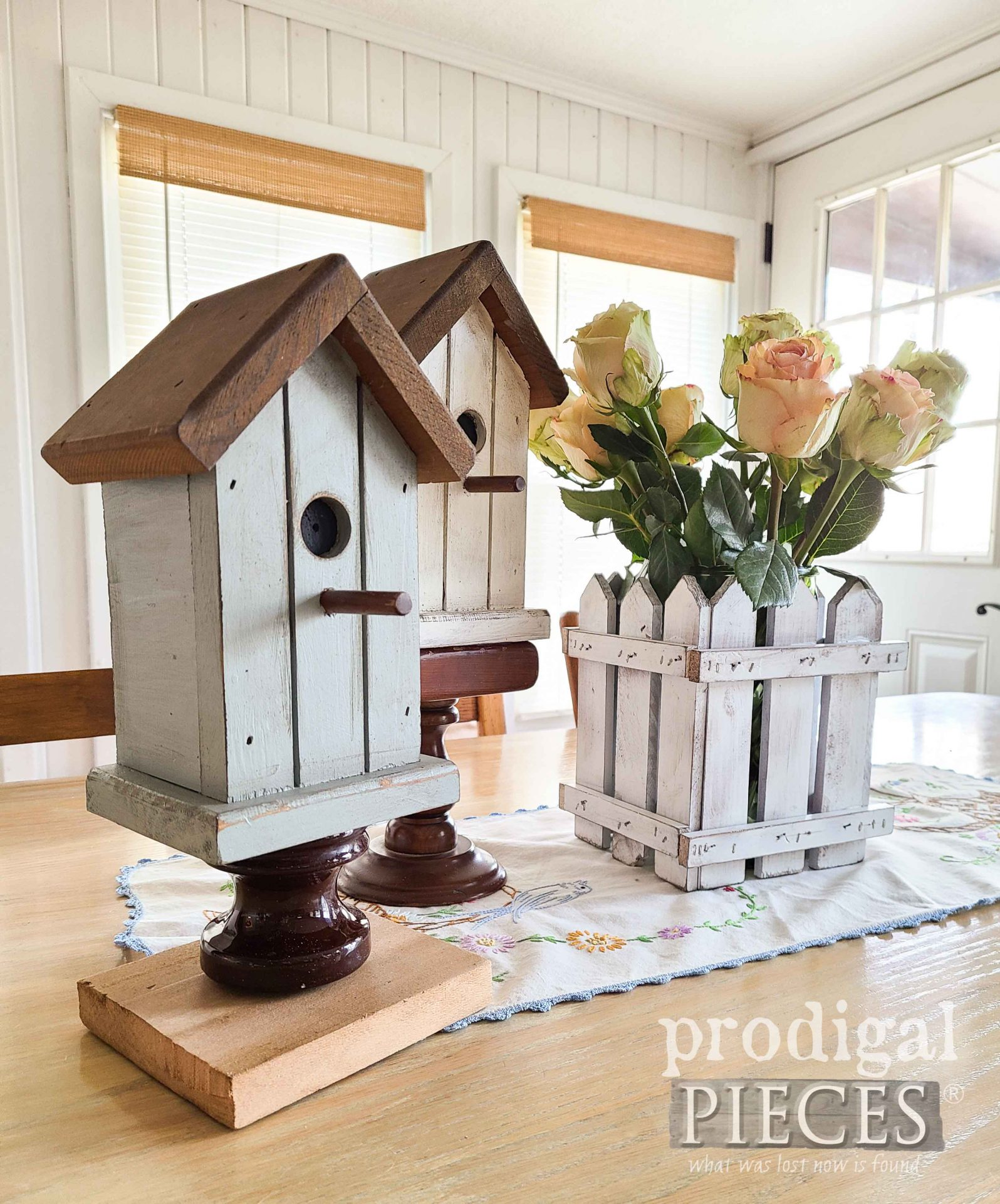 Vintage Style Birdhouses by Larissa of Prodigal Pieces | prodigalpieces.com #prodigalpieces #vintage #home #spring #homedecor