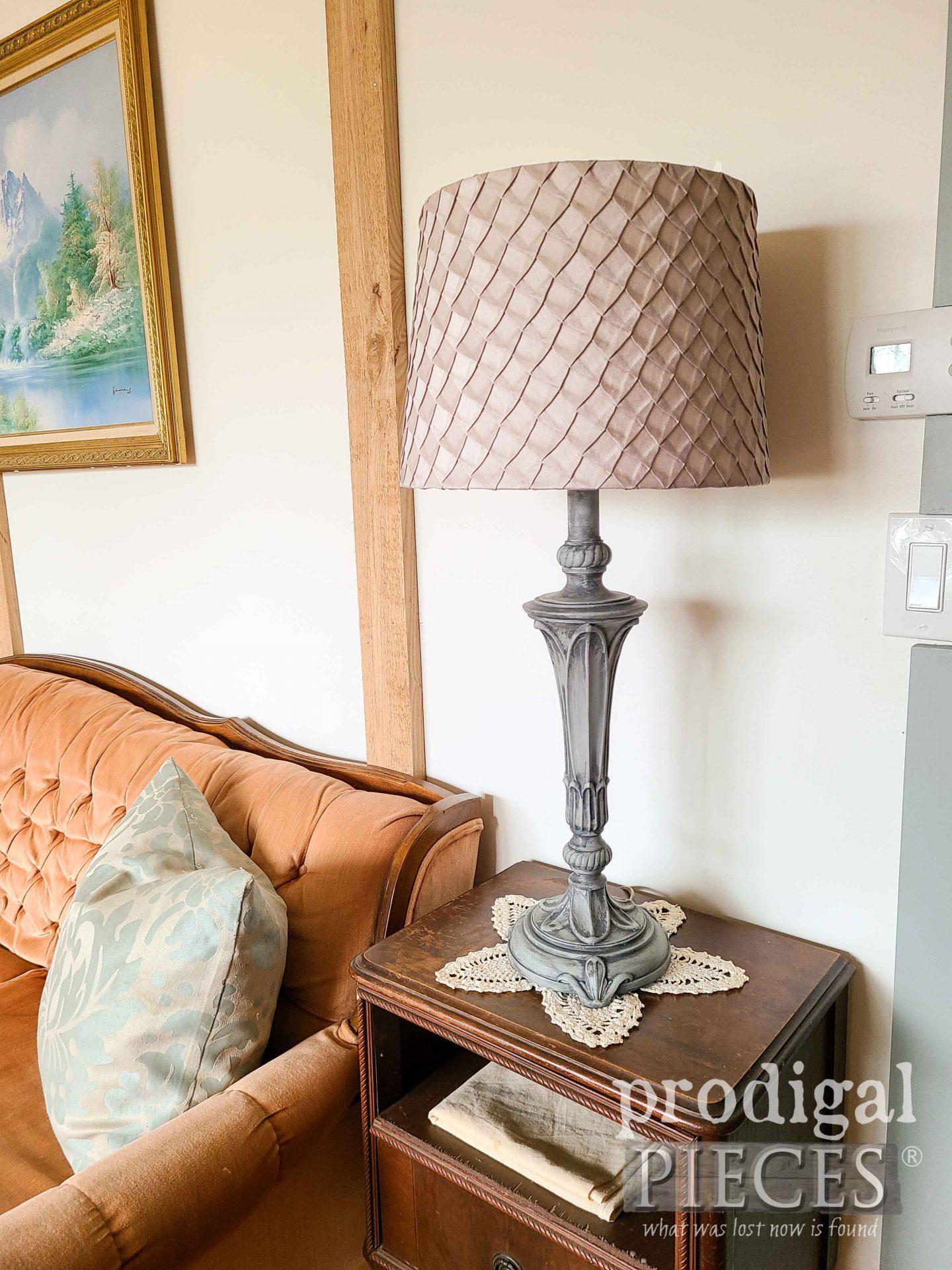 Beautiful Blue/Green Painted Table Lamps for Farmhouse Home Decor by Larissa of Prodigal Pieces | prodigalpieces.com #prodigalpieces #vintage #table #home #homedecor