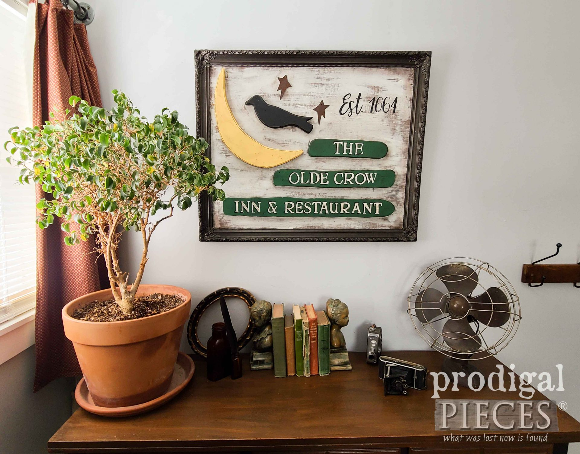 DIY Repurposed Antique Sign from Dated Fall Decor by Larissa of Prodigal Pieces | prodigalpieces.com #prodigalpieces #diy #home #homedecor #farmhouse
