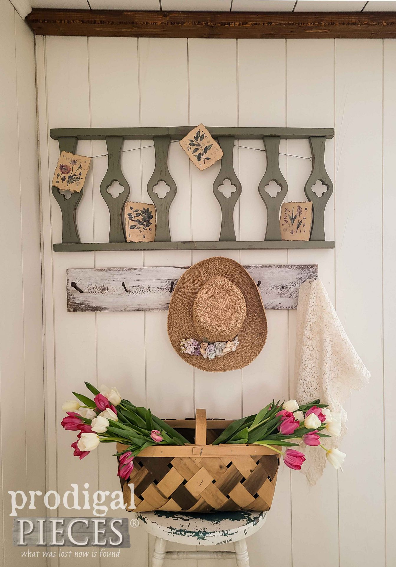 Farmhouse Salvaged Spring Art Decor by Larissa of Prodigal Pieces | prodigalpieces.com #prodigalpieces #diy #salvaged #vintage #farmhouse #home #homedecor