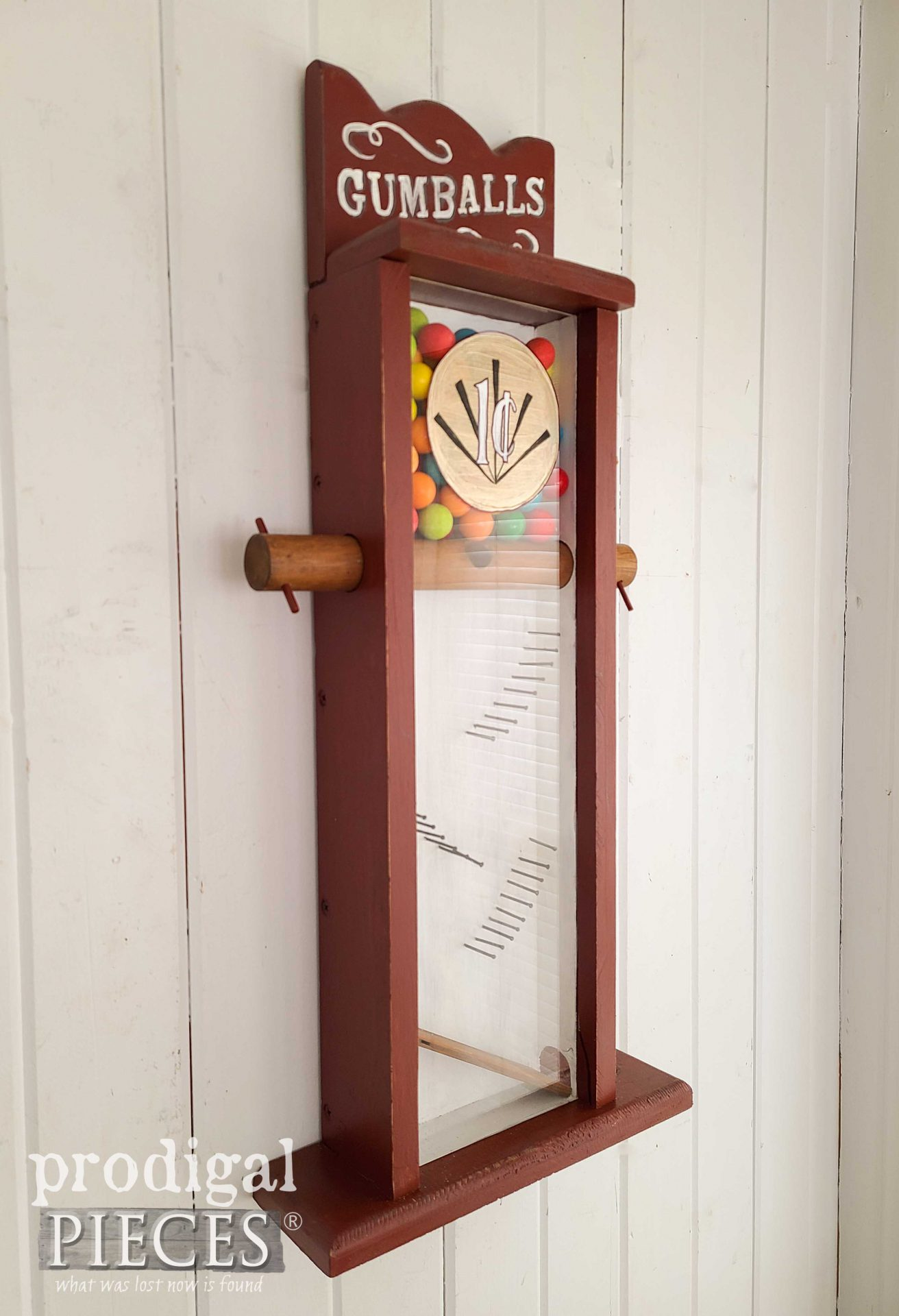 Farmhouse Style Wooden Gumball Machine by Larissa of Prodigal Pieces | prodigalpieces.com #prodigalpieces #home #homedecor #vintage
