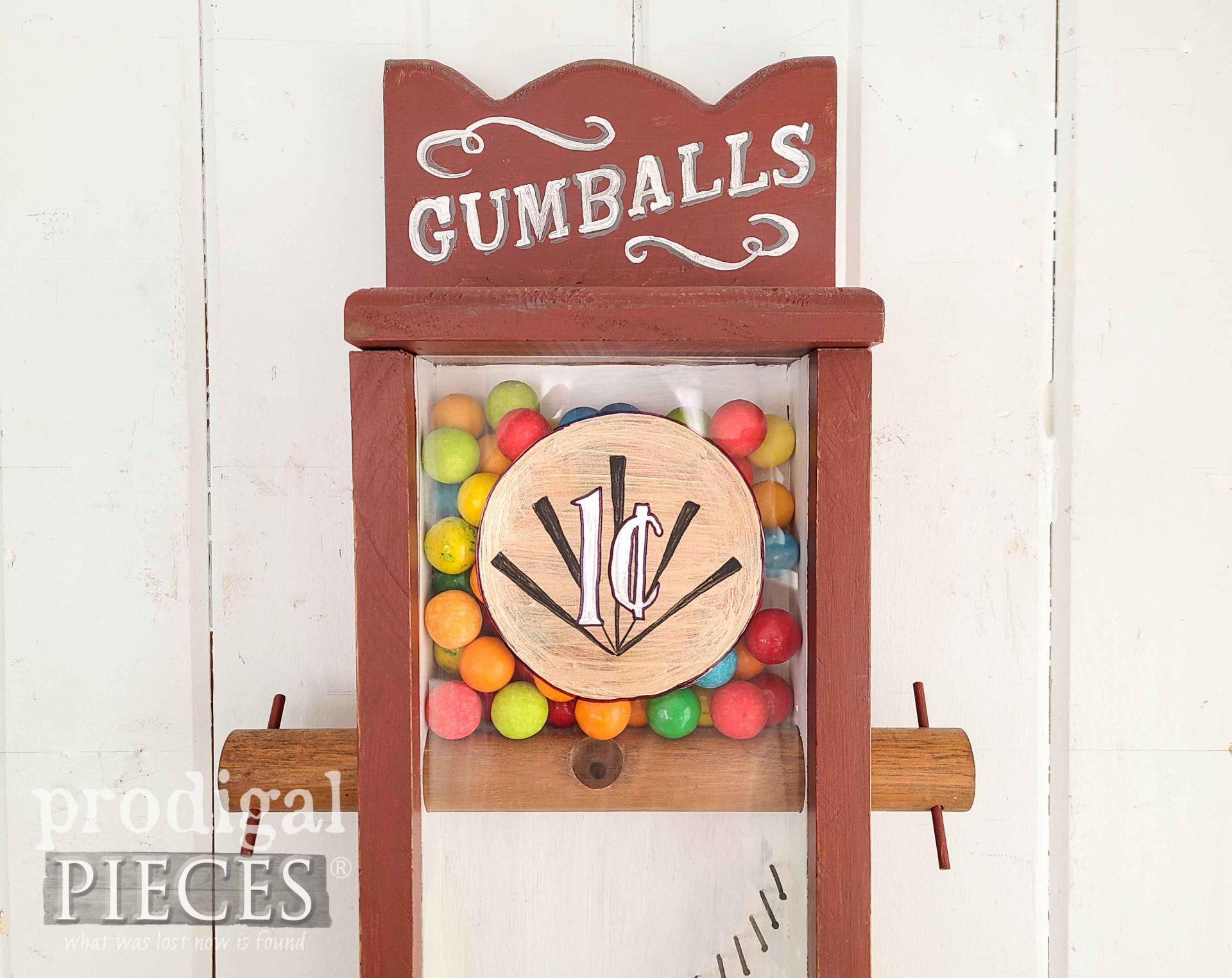 Hand-Painted Gumball Machine by Larissa of Prodigal Pieces | prodigalpieces.com #prodigalpieces #vintage #home #homedecor