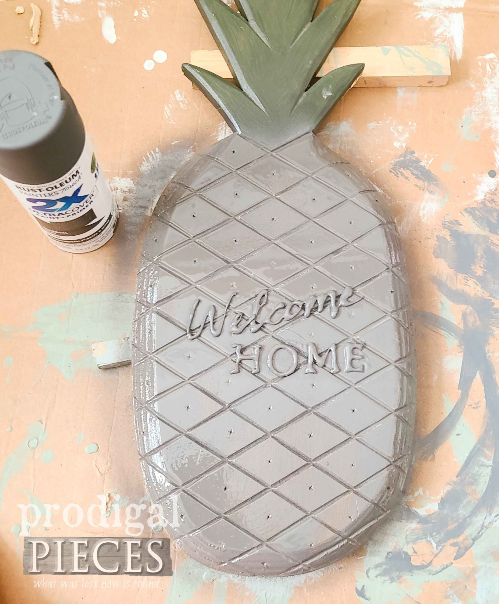 Painted Pineapple Welcome Sign | prodigalpieces.com