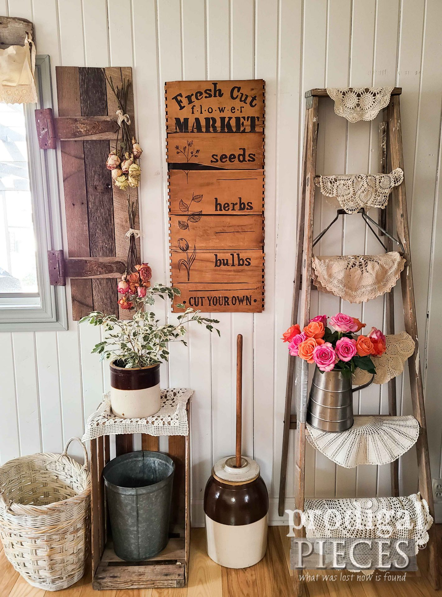 Farmhouse Spring Decor from Upcycled Broken Drawers by Larissa of Prodigal Pieces | prodigalpieces.com #prodigalpieces #spring #farmhouse #diy #home #homedecor