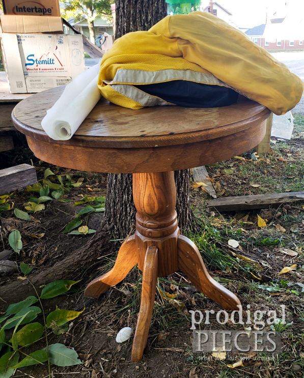 Round Oak Table Before | prodigalpieces.com