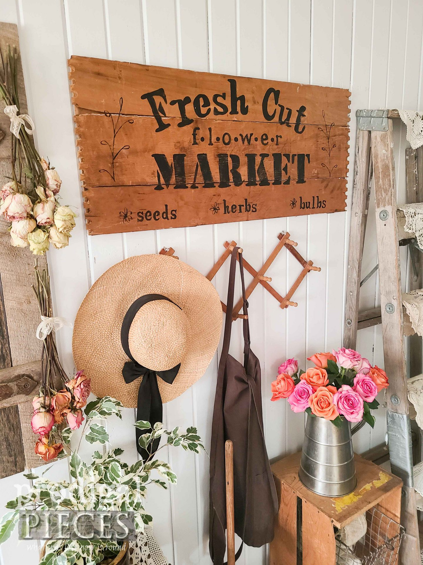 Rustic Farmhouse Flower Sign by Larissa of Prodigal Pieces | prodigalpieces.com #prodigalpieces #farmhouse #home #diy #homedecor #spring