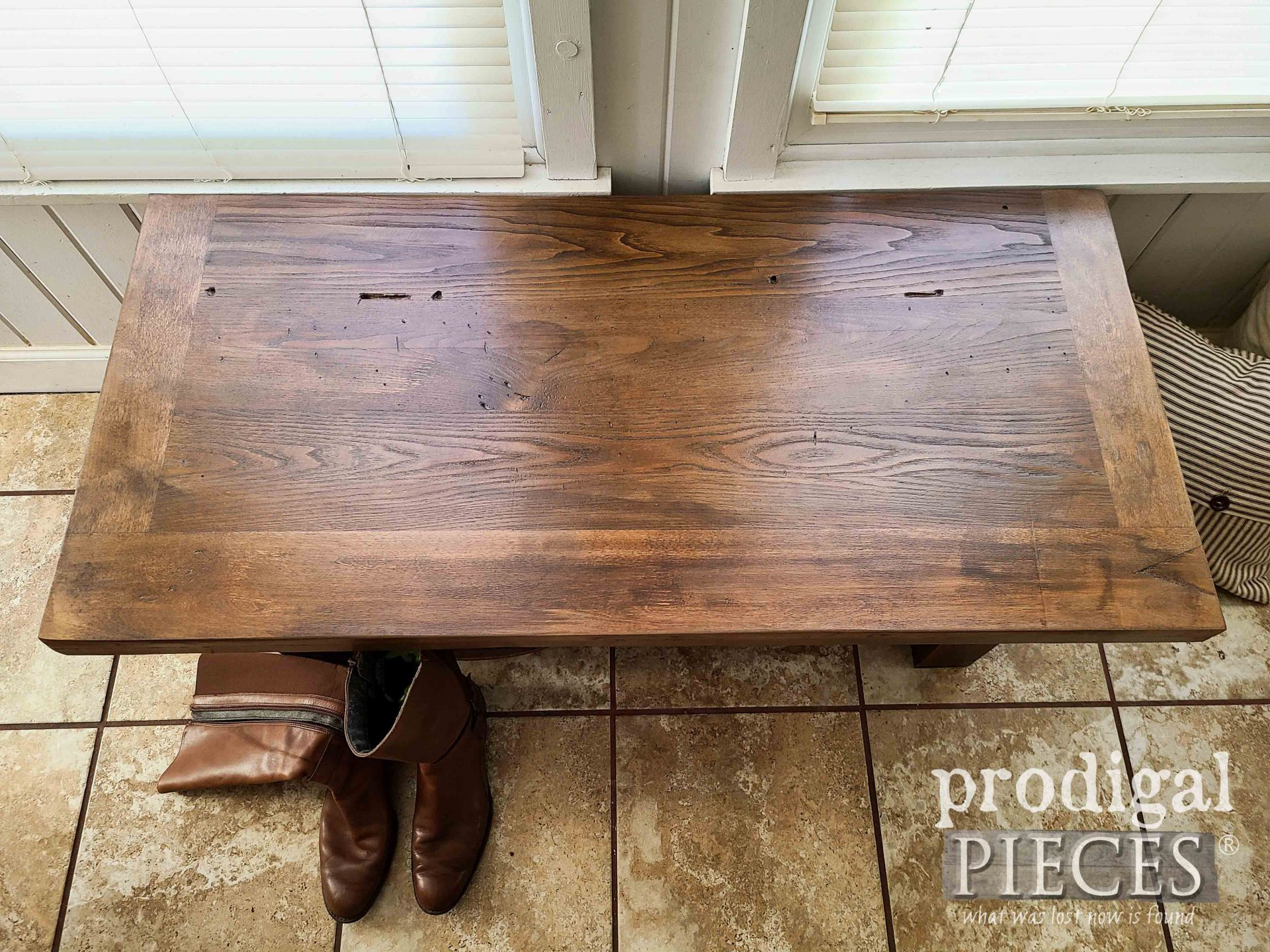 Upcycled Dresser Top Bench Built by Larissa of Prodigal Pieces   prodigalpieces.com #prodigalpieces #reclaimed #home #furniture