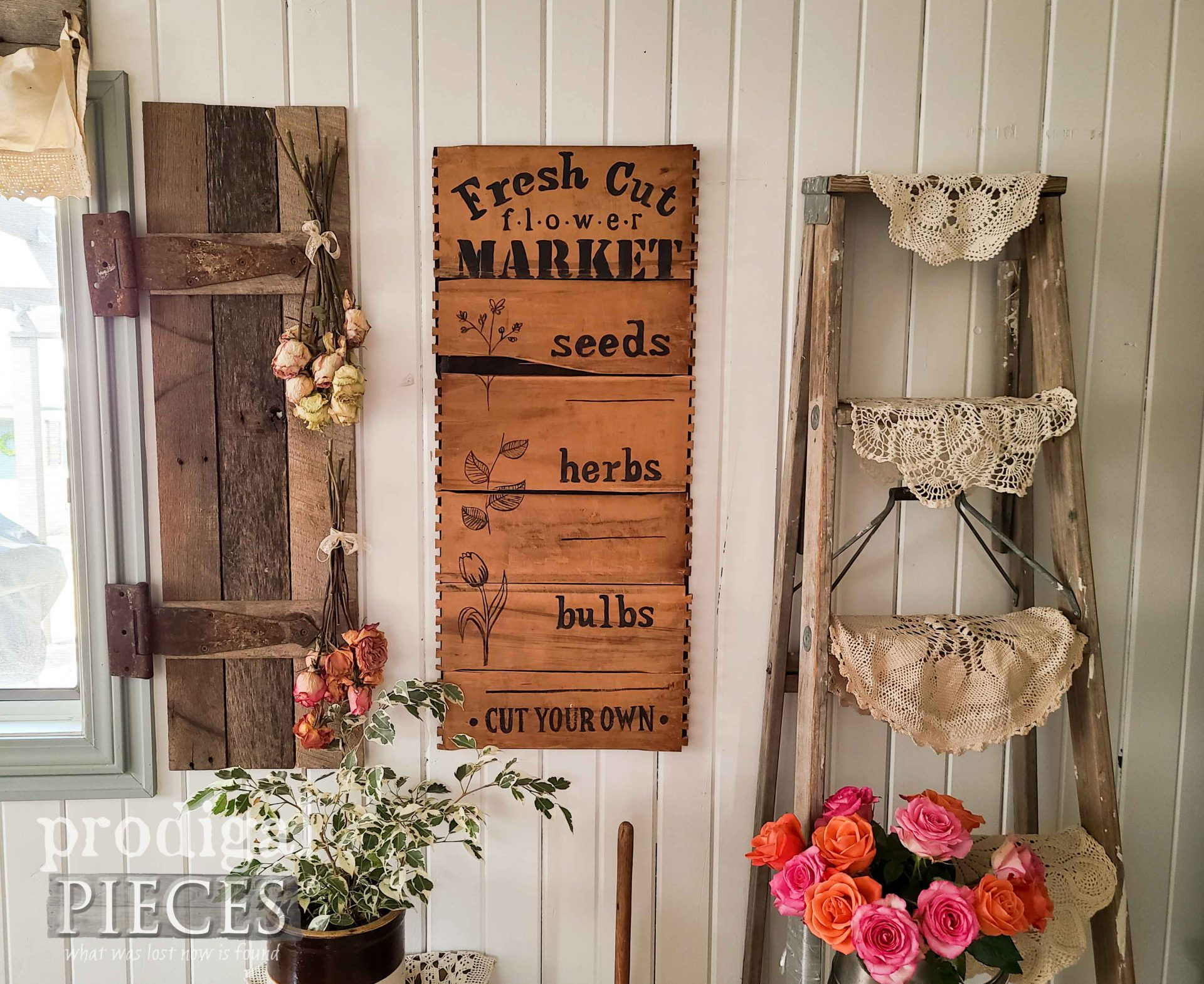 Upcycled Broken Drawers Art into Spring Decor by Larissa of Prodigal Pieces | prodigalpieces.com #prodigalpieces #farmhouse #diy #spring #home #homedecor