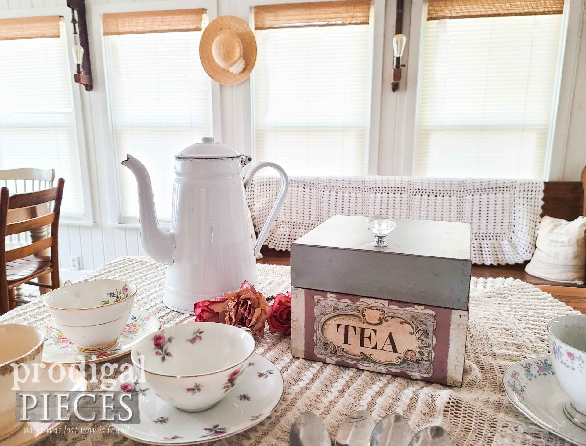 Cottage Style Tea Box by Larissa of Prodigal Pieces | See more at prodigalpieces.com #prodigalpieces #cottage #tea #vintage