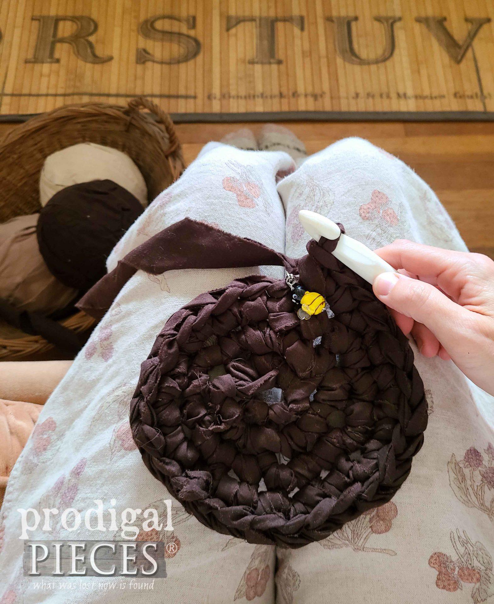 Crochet Basket Round Base by Prodigal Pieces | prodigalpieces.com #prodigalpieces