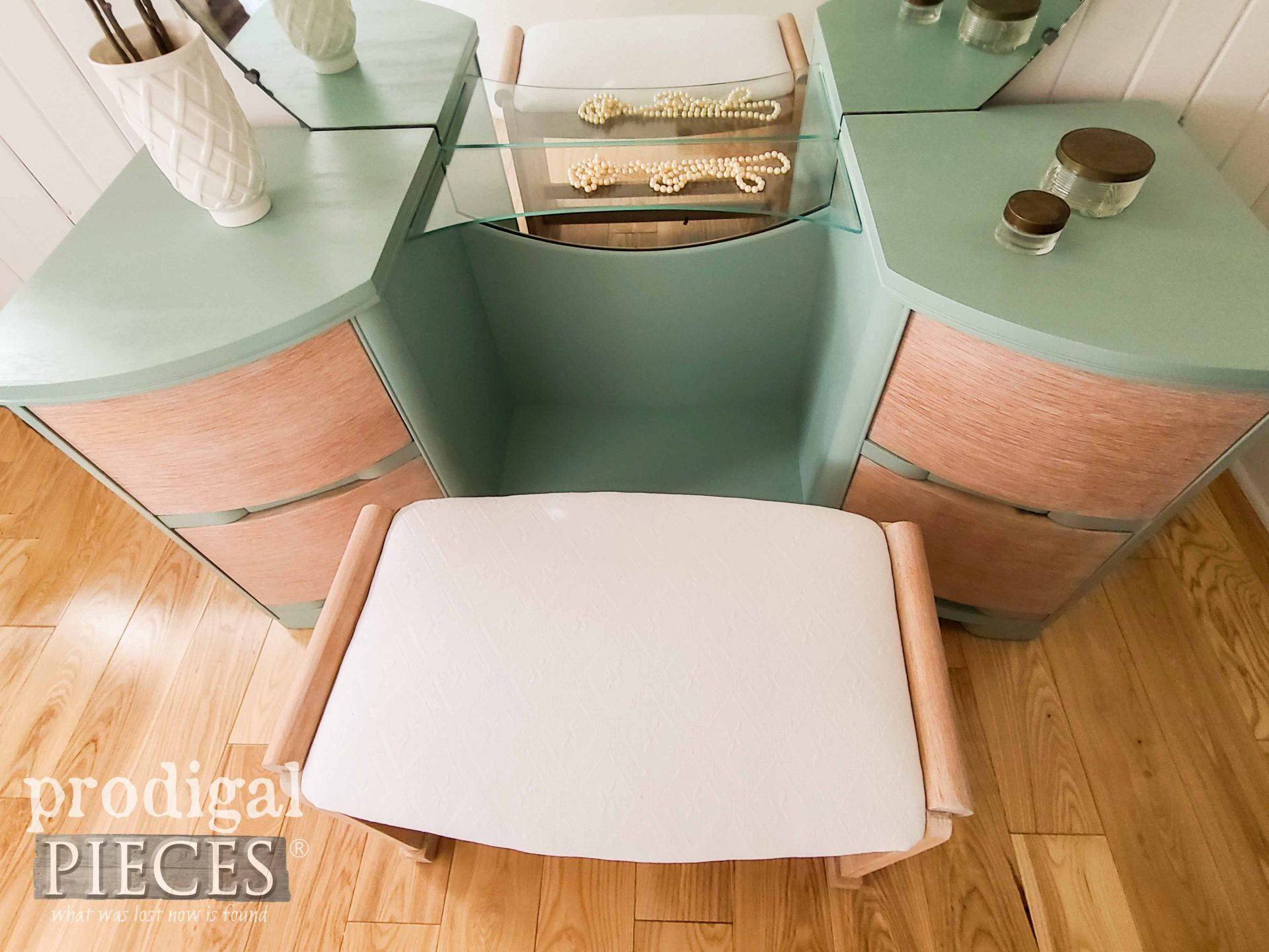 Vintage Art Deco Dressing Table Top by Larissa of Prodigal Pieces | prodigalpieces.com #prodigalpieces #furniture #home #diy #artdeco #boho