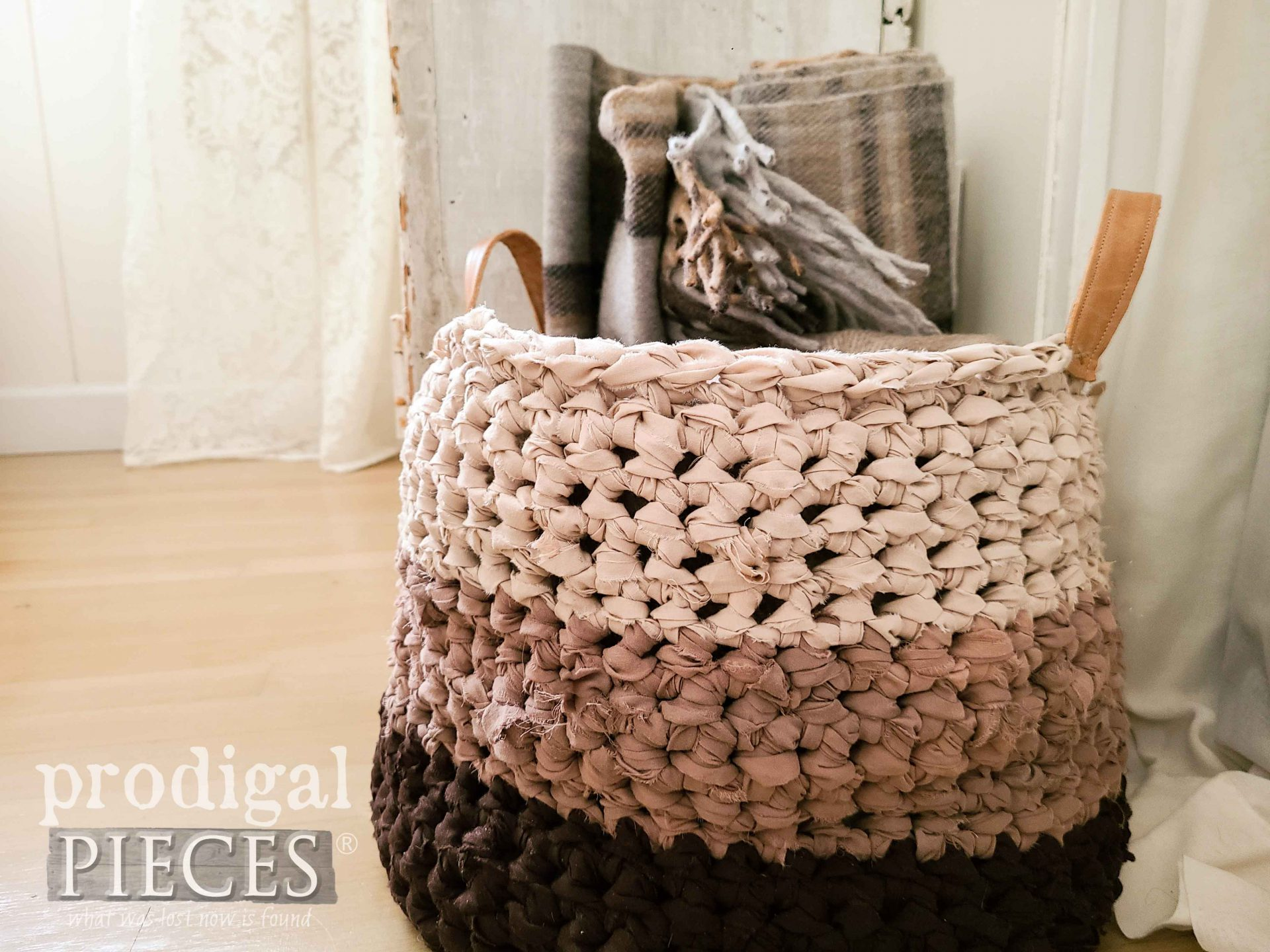 Farmhouse Style Crochet Basket from Upcycled Bed Sheets by Larissa of Prodigal Pieces | prodigalpieces.com #prodigalpieces #diy #crafts #basket #handmade #crochet #farmhouse