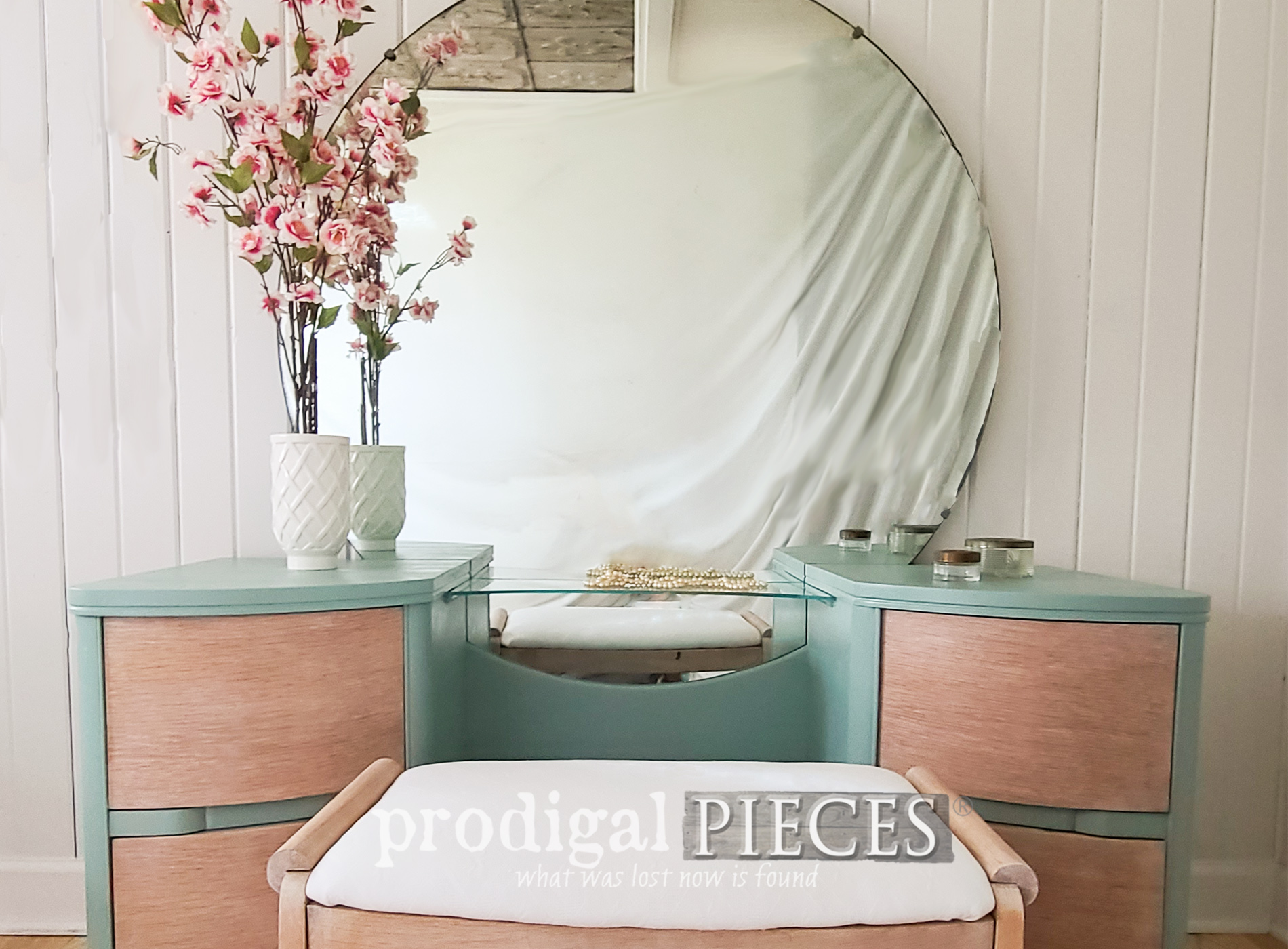 Featured Updated Art Deco Dressing Table Makeover by Larissa of Prodigal Pieces | prodigalpieces.com #prodigalpieces #vintage #artdeco #diy #furniture