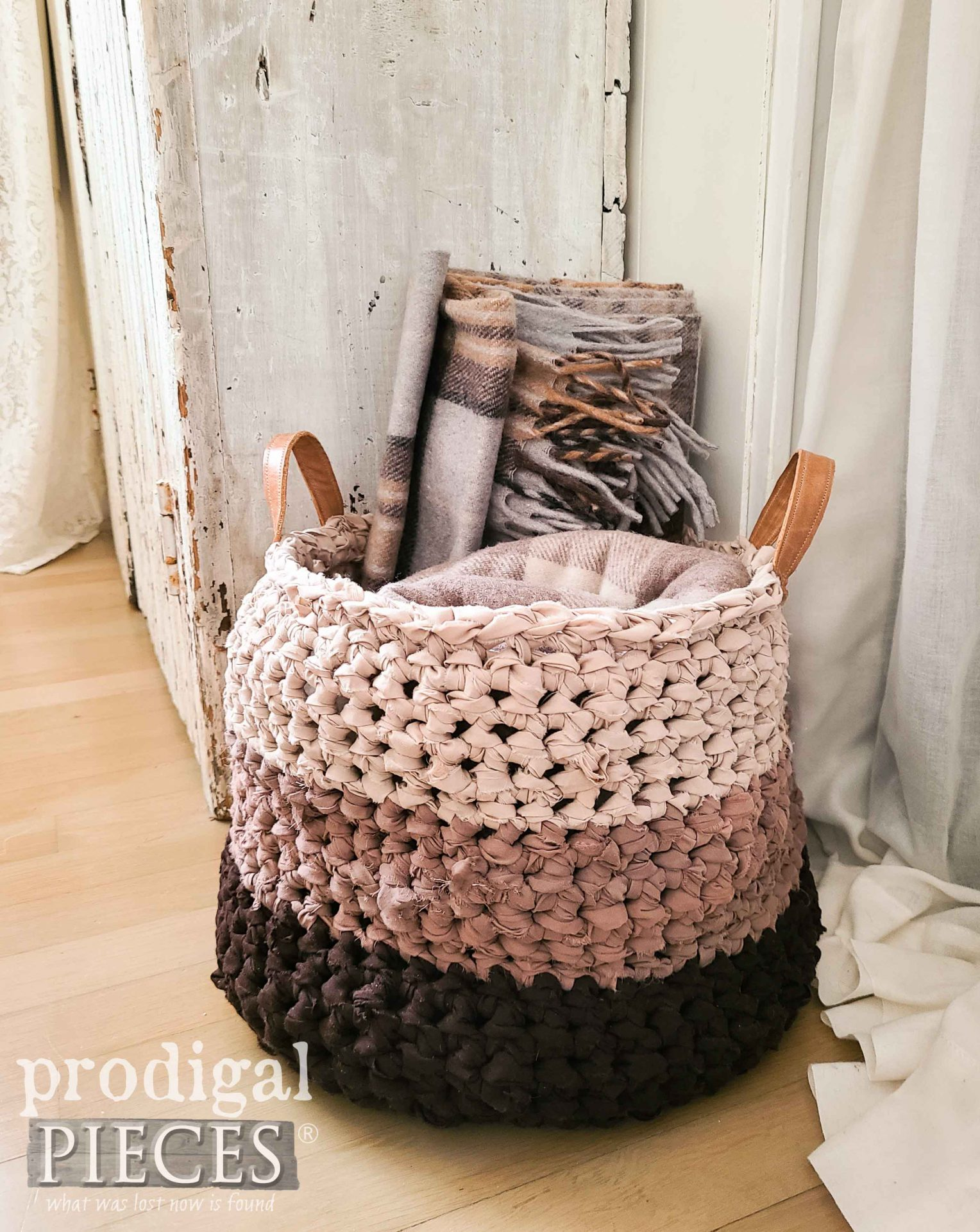 Handmade Crochet Basket Made from Upcycled Bed Sheets by Larissa of Prodigal Pieces | prodigalpieces.com #prodigalpieces #handmade #crochet #diy #home #farmhouse #homedecor