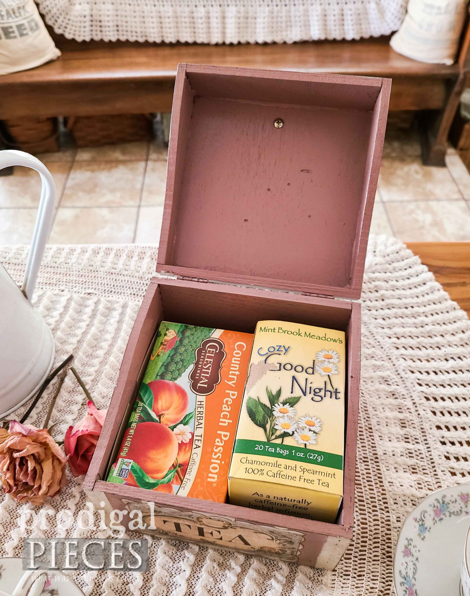 Inside DIY Vintage Tea Box Upcycled by Larissa of Prodigal Pieces | prodigalpieces.com #prodigalpieces #tea #cottage #diy #home