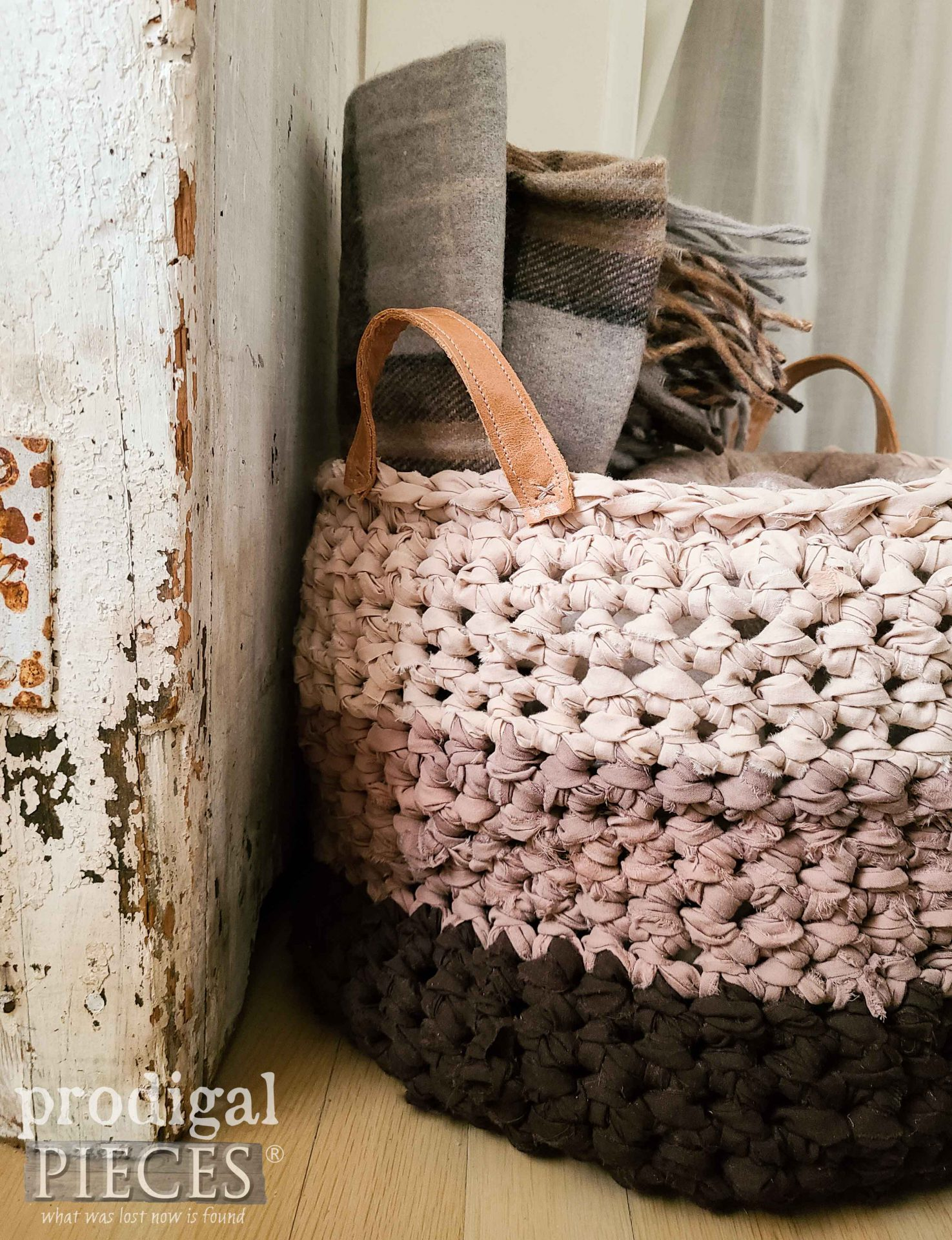 Ombre Crochet Basket Handmade from Bed Sheets by Larissa of Prodigal Pieces | prodigalpieces.com #prodigalpieces #crochet #handmade #home #basket #farmhouse