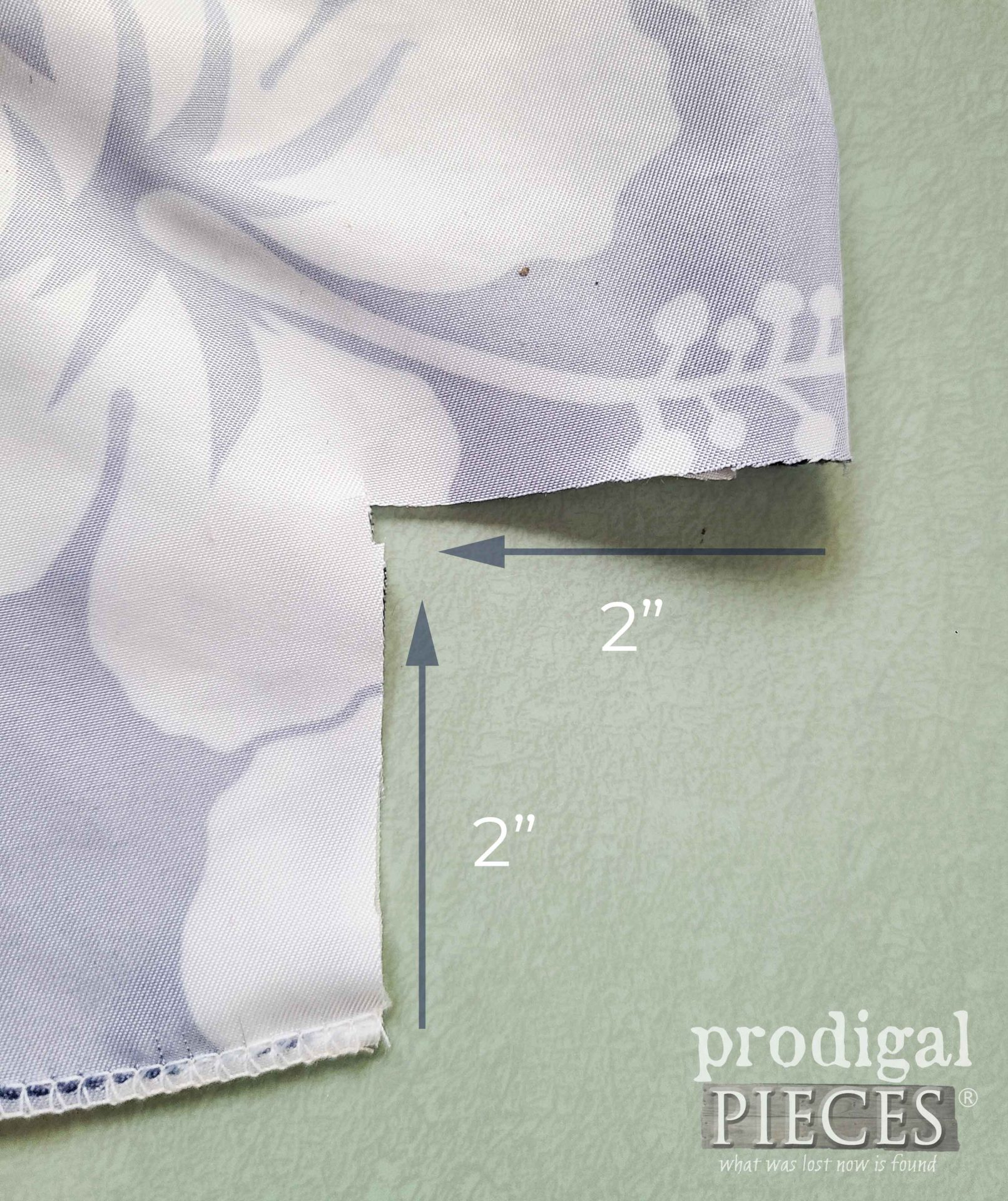 Boxed Corner Diagram for Upcycled Swimsuit Bag by Larissa of Prodigal Pieces   prodigalpieces.com #prodigalpieces