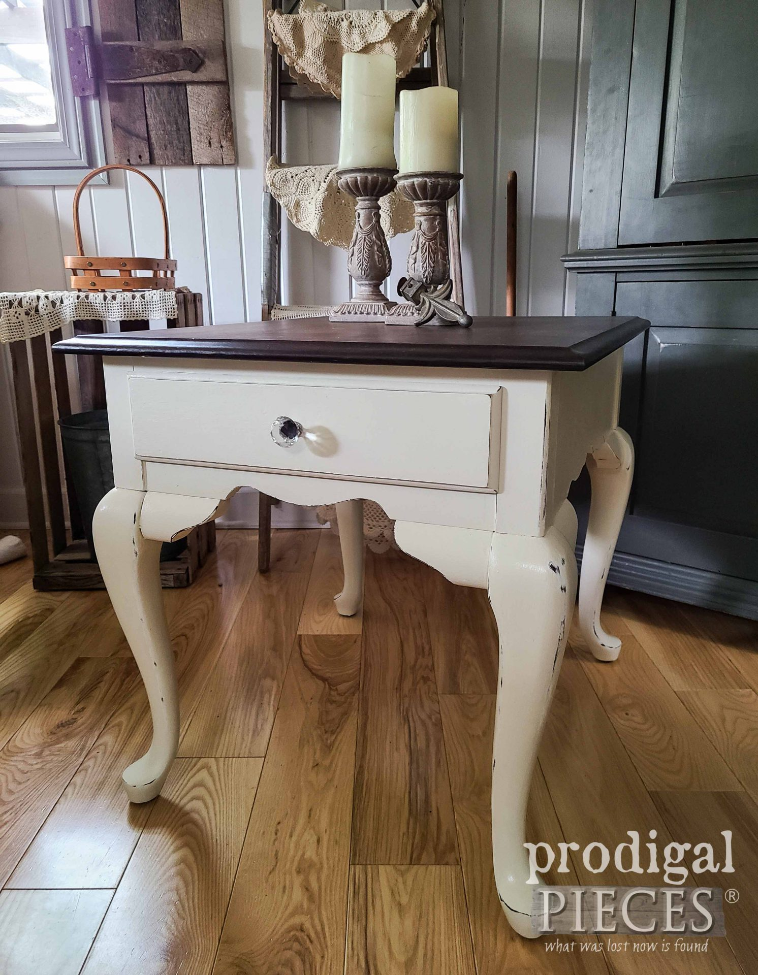 Rustic Chic Farmhouse Side Table in Queen Anne Style for Vintage Decor by Prodigal Pieces | prodigalpieces.com #prodigalpieces #furniture #vintage #farmhouse #home