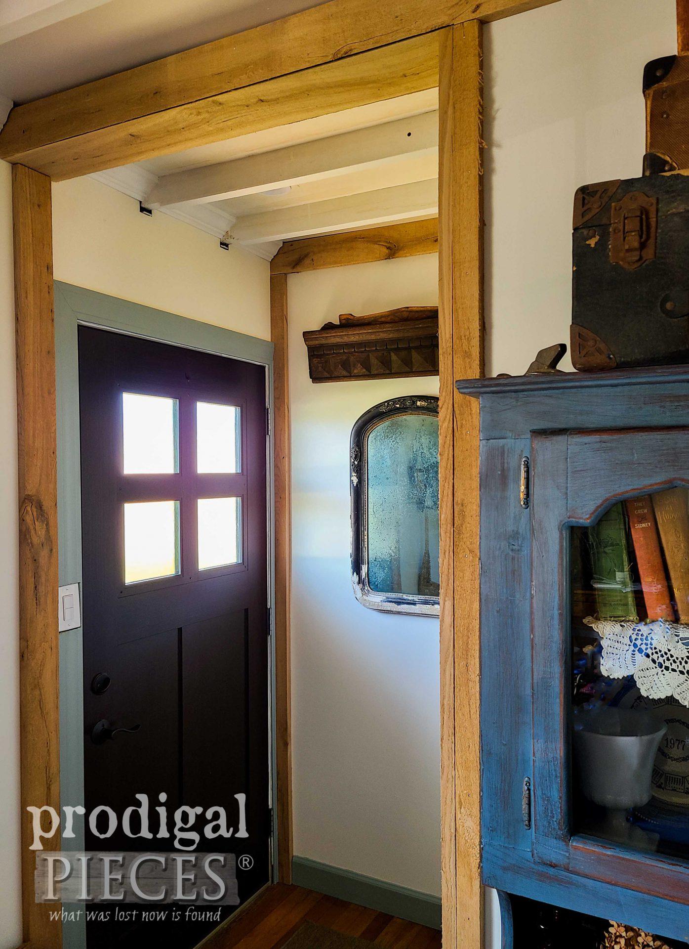 Prodigal Pieces Farmhouse Entry Salvaged Decor by Larissa | prodigalpieces.com #prodigalpieces #farmhouse #home #homedecor #diy #antique