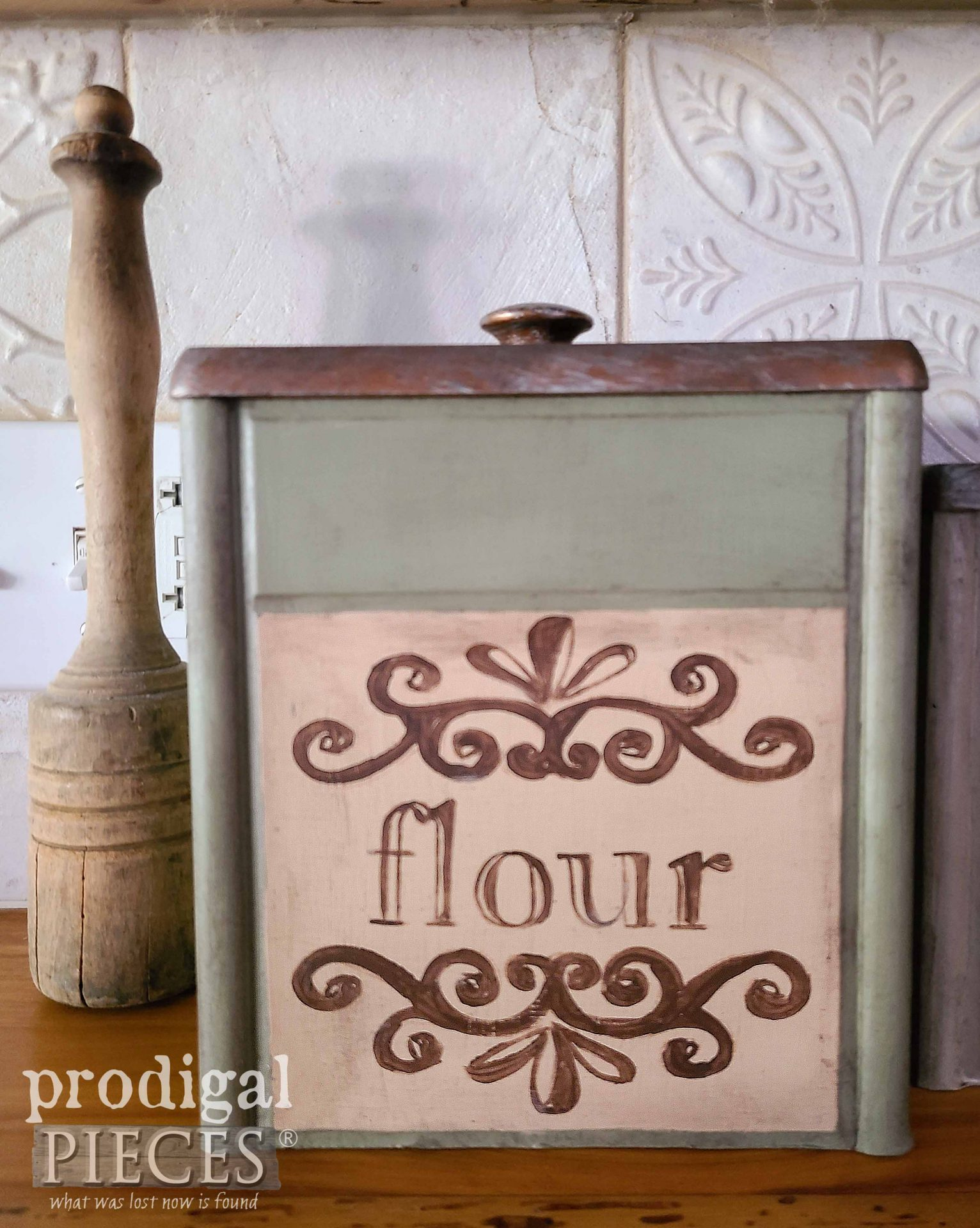 Vintage Flour Canister for Kitchen by Prodigal Pieces | prodigalpieces.com #prodigalpieces #farmhouse #kitchen #home
