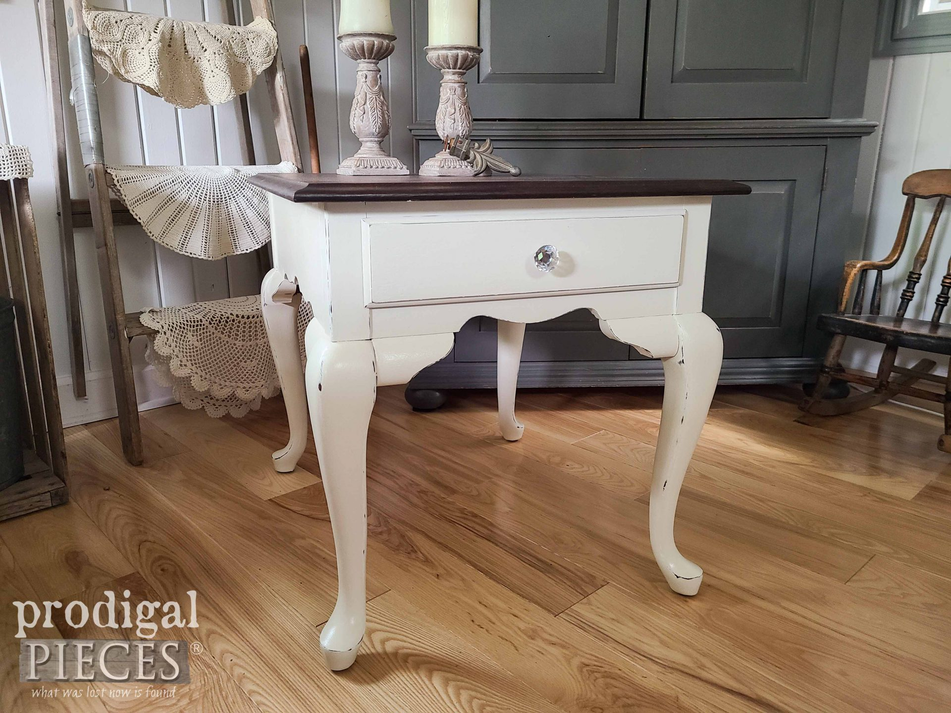 Absolutely Gorgeous Vintage Broyhill Queen Anne Table by Prodigal Pieces | prodigalpieces.com #prodigalpieces #diy #home #homedecor #furniture #vintage
