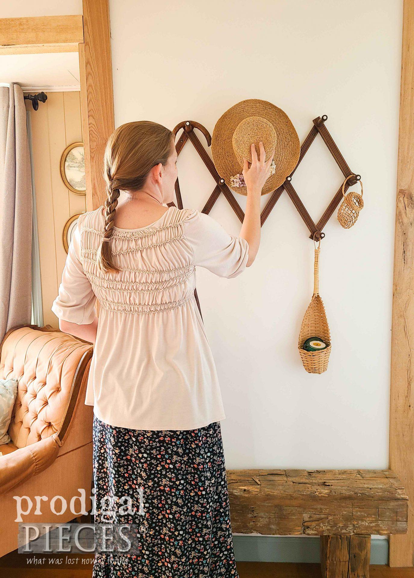 Larissa of Prodigal Pieces Hanging Straw Hat | prodigalpieces.com #prodigalpieces #home #farmhouse #homedecor