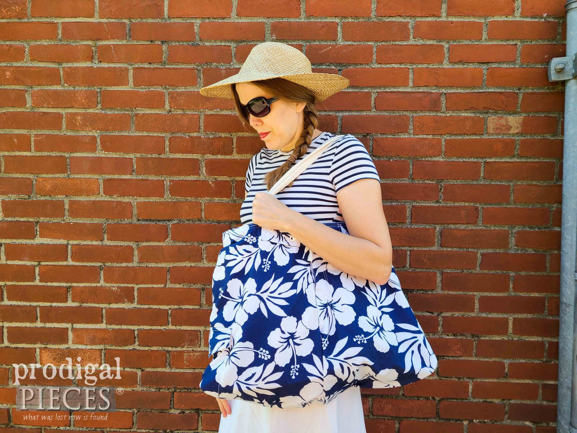 Larissa of Prodigal Pieces with Handmade Upcycled Swimsuit Bag at prodigalpieces.com #prodigalpieces #sewing #summer #handmade #bag #fashion