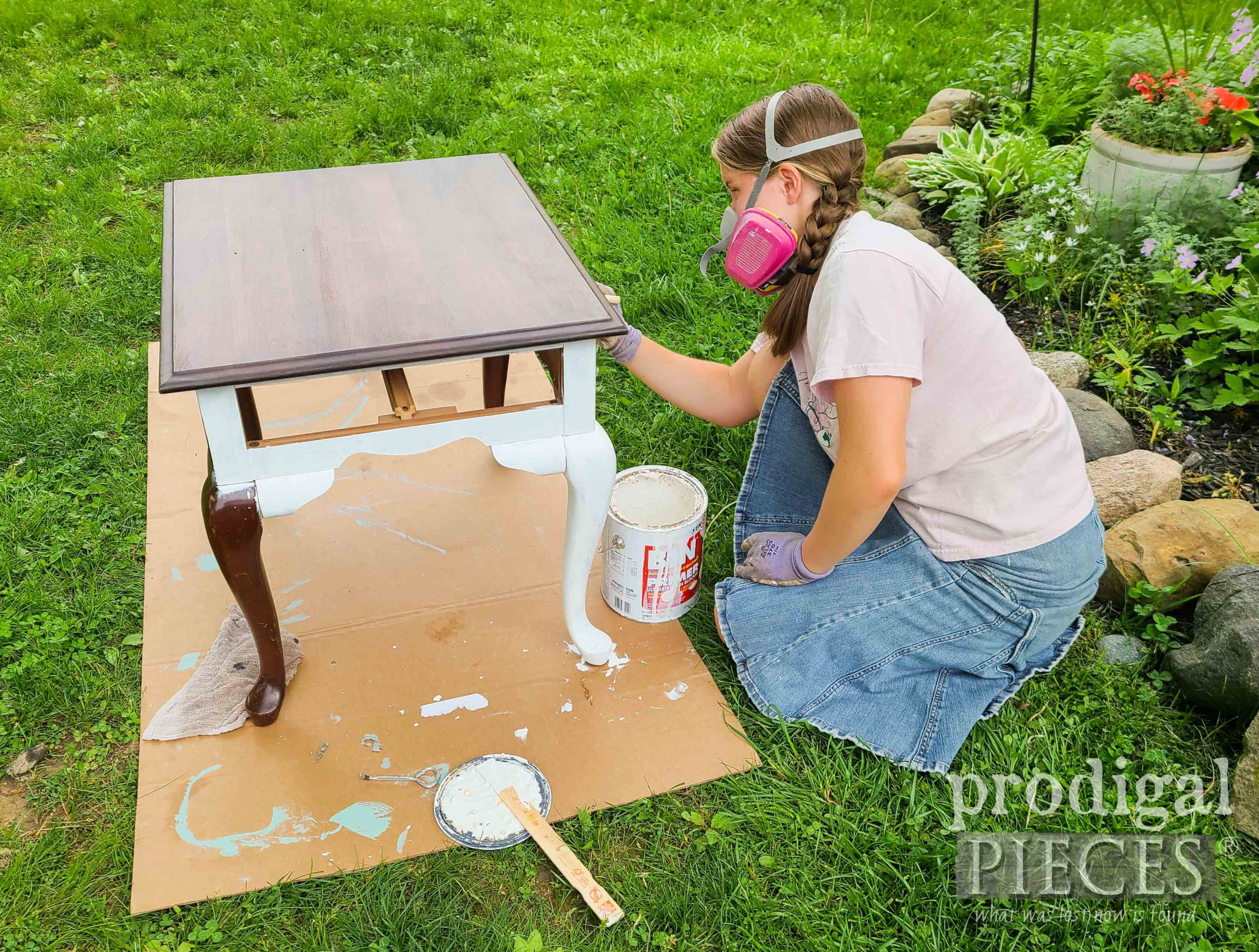 Applying Stain-Blocking Primer to Vintage Queen Anne Table | prodigalpieces.com