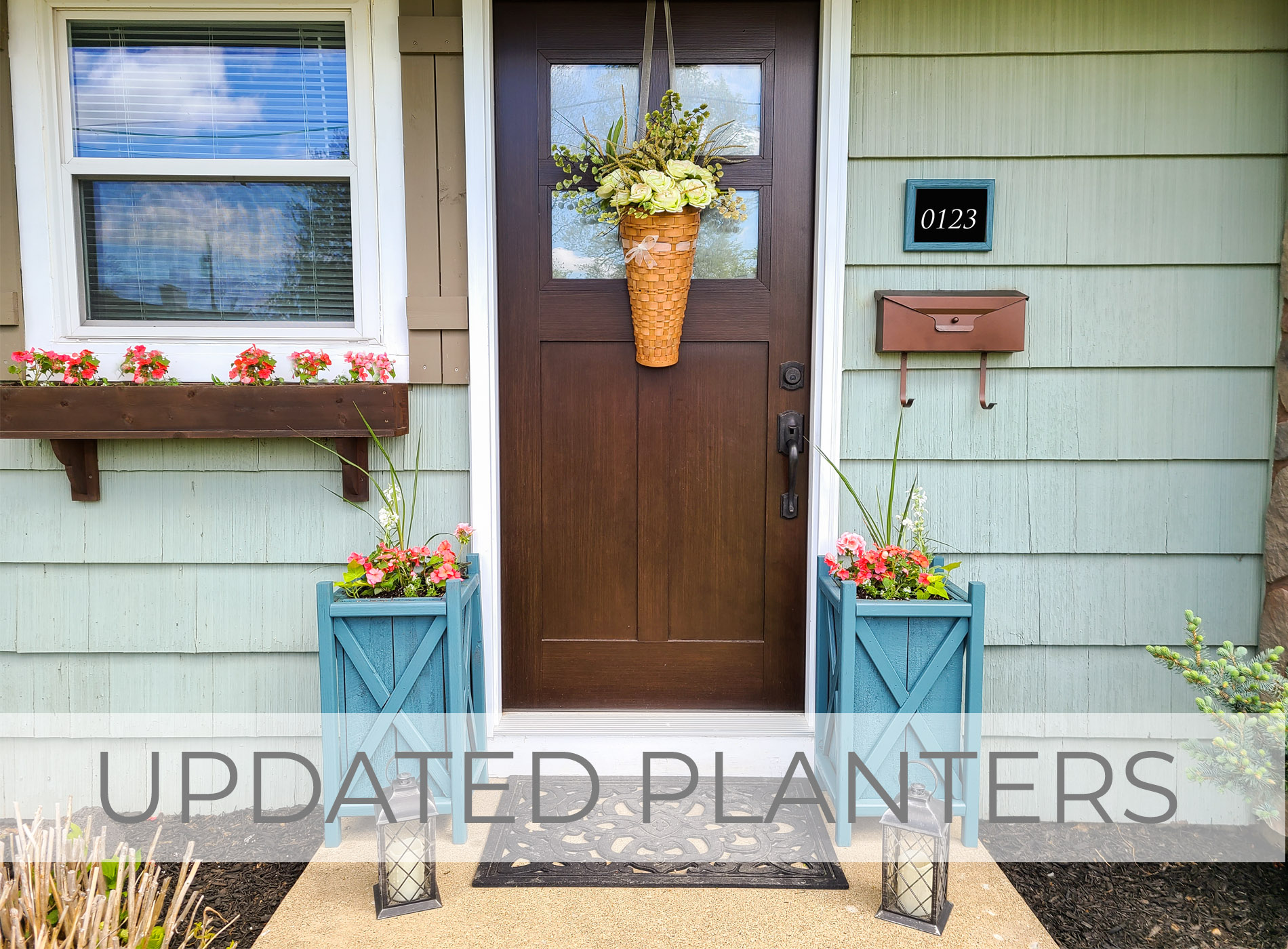 Update Planters the Fast & Easy Way for Curb Appeal by Larissa of Prodigal Pieces | prodigalpieces.com #prodigalpieces
