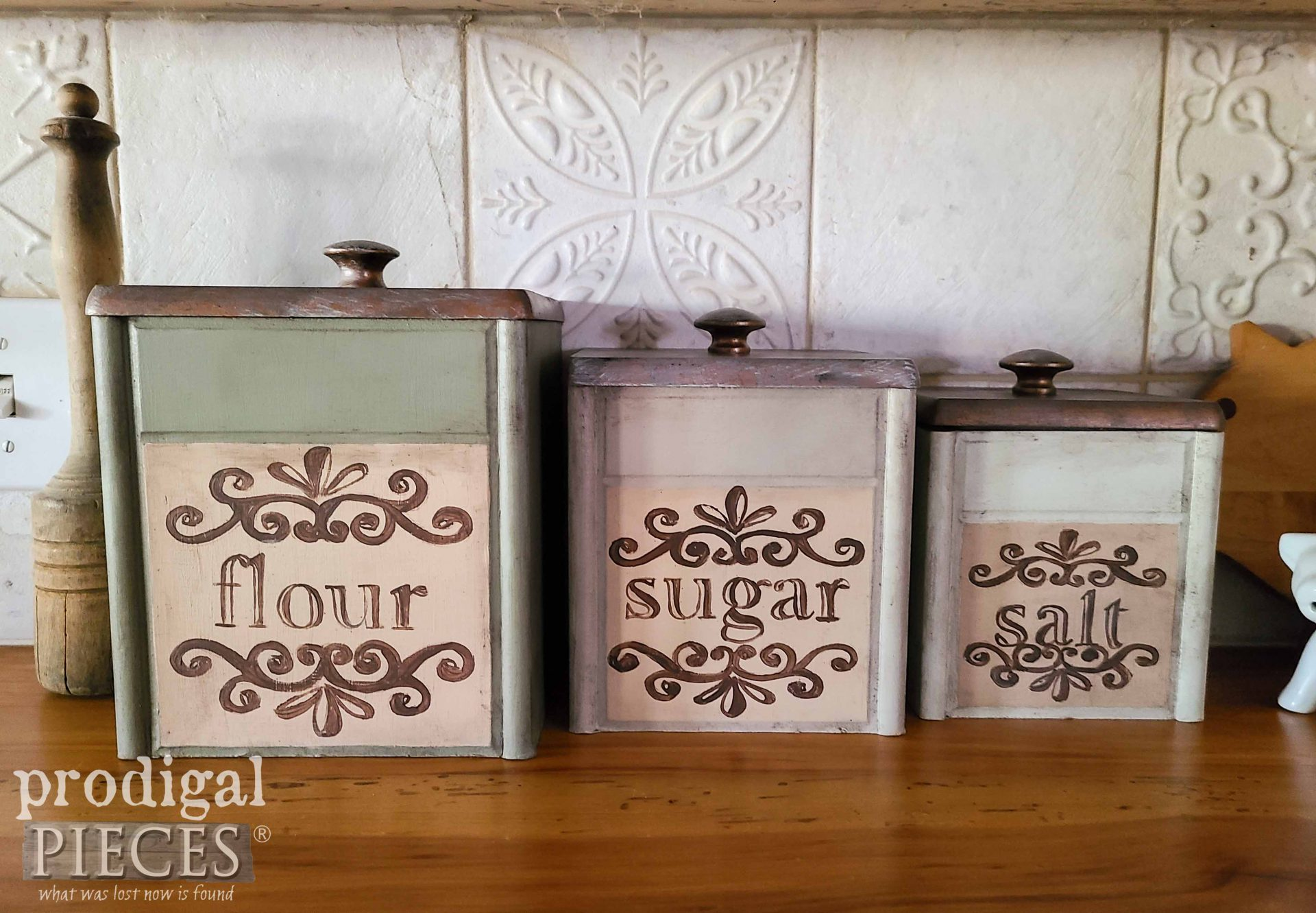 Vintage Style Thrifted Kitchen Canisters by Larissa of Prodigal Pieces | prodigalpieces.com #prodigalpieces #vintage #kitchen #home #homedecor