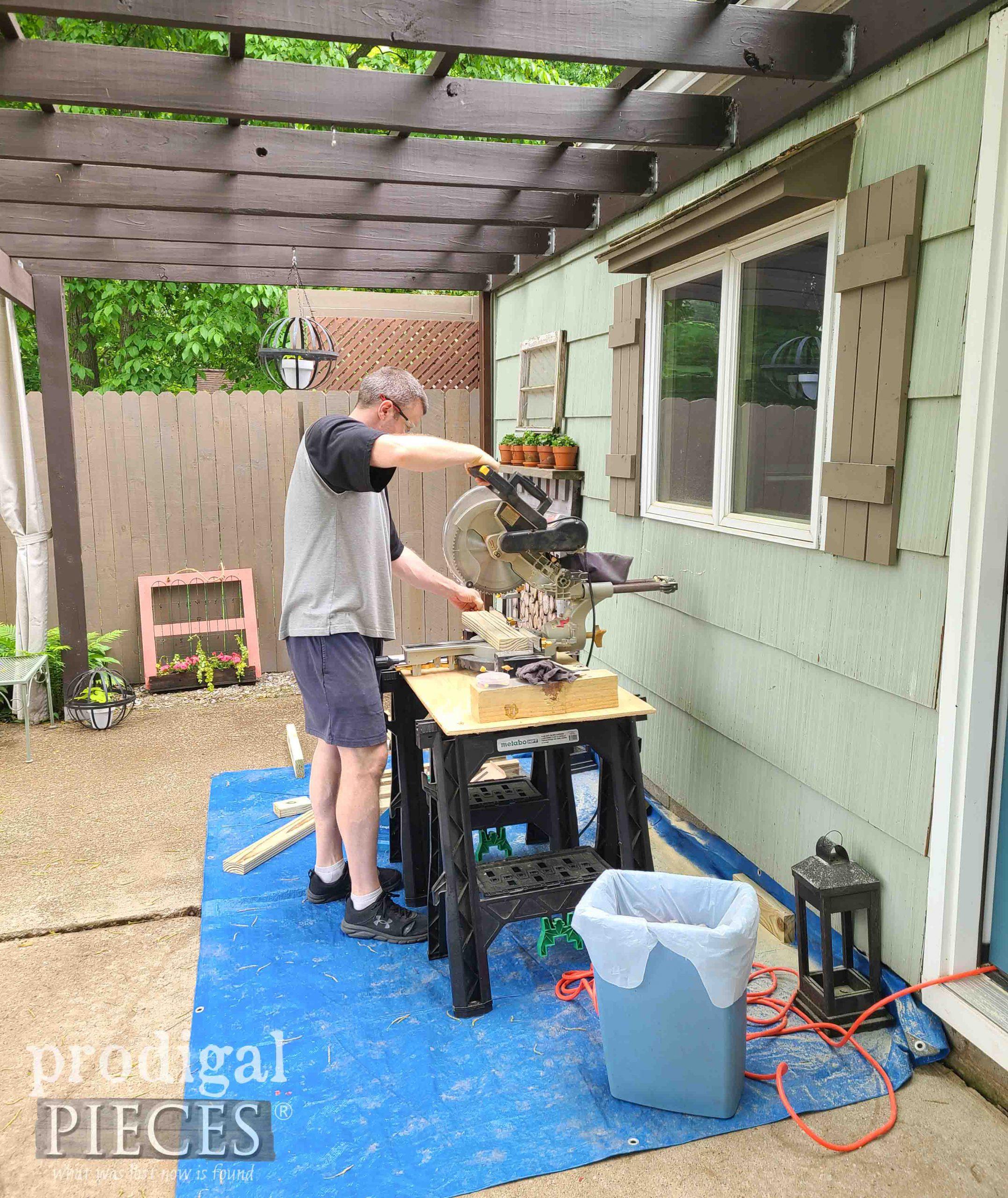 Cutting DIY Patio Sectional Lumber | prodigalpieces.com