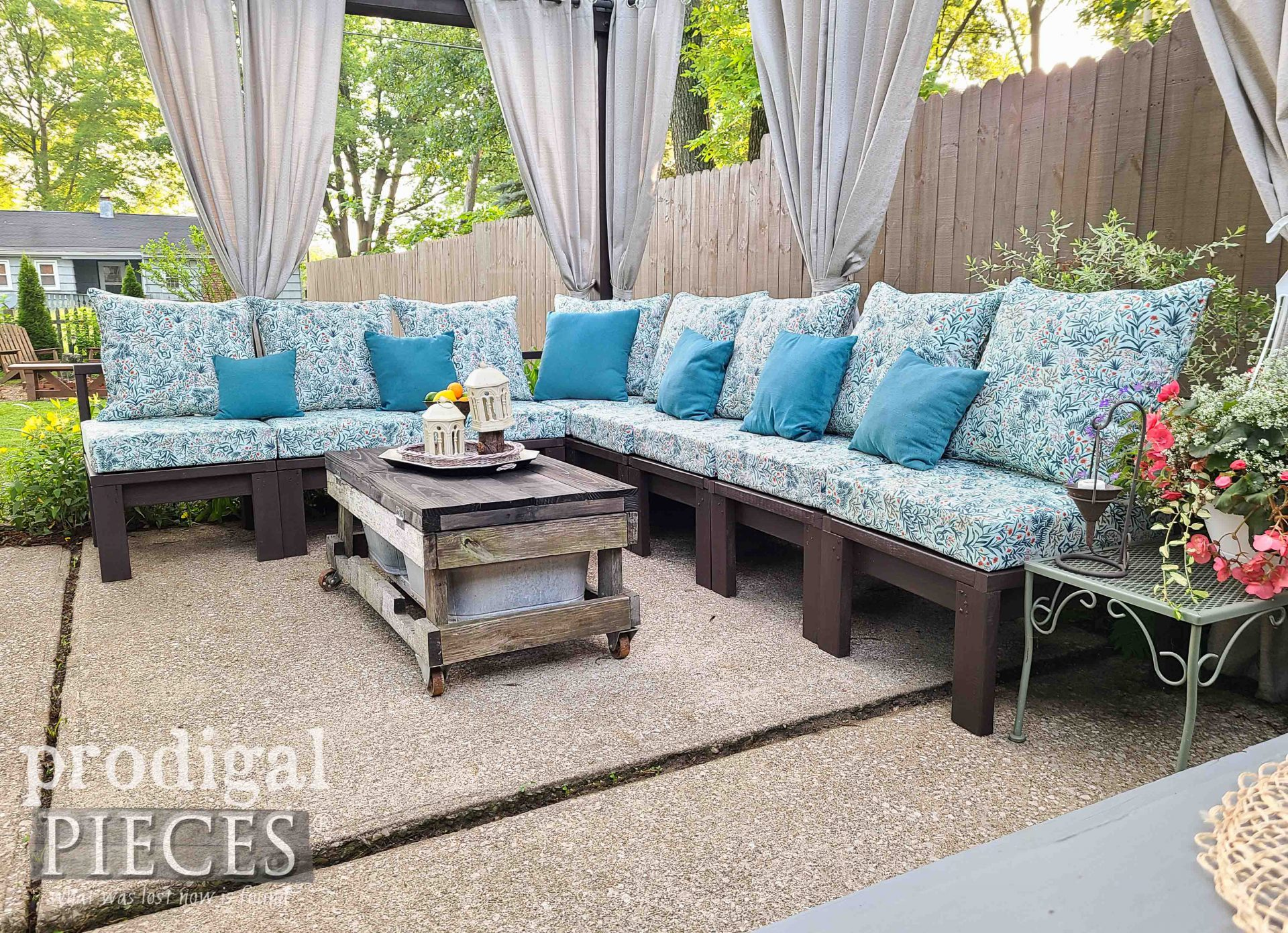 Build a DIY Patio Sectional with Cushions | Prodigal Pieces | prodigalpieces.com #prodigalpieces #outdoor #patio #home #entertaining