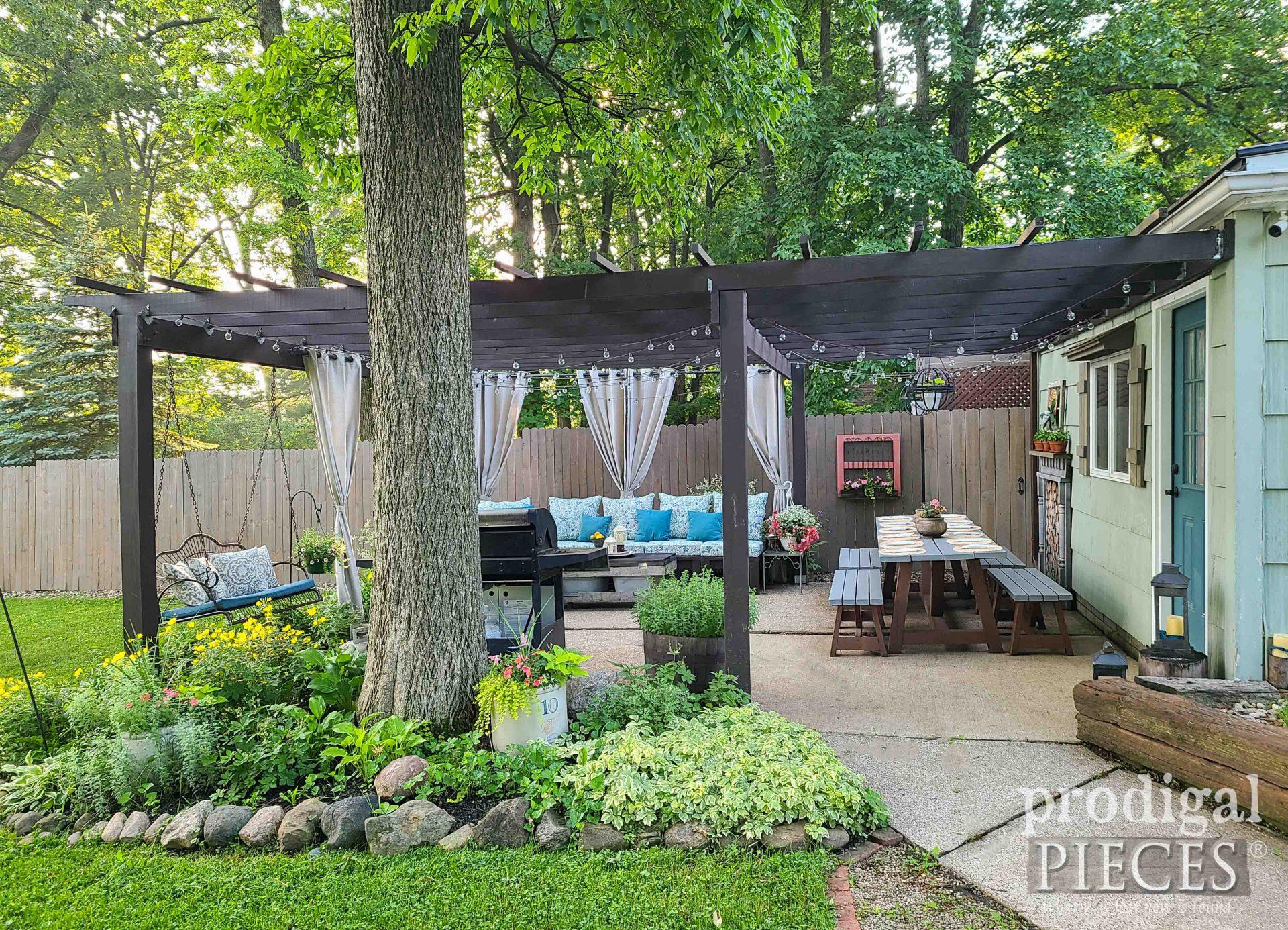 Farmhouse Style Patio with DIY Pergola by Larissa of Prodigal Pieces | prodigalpieces.com #prodigalpieces #diy #patio #pergola