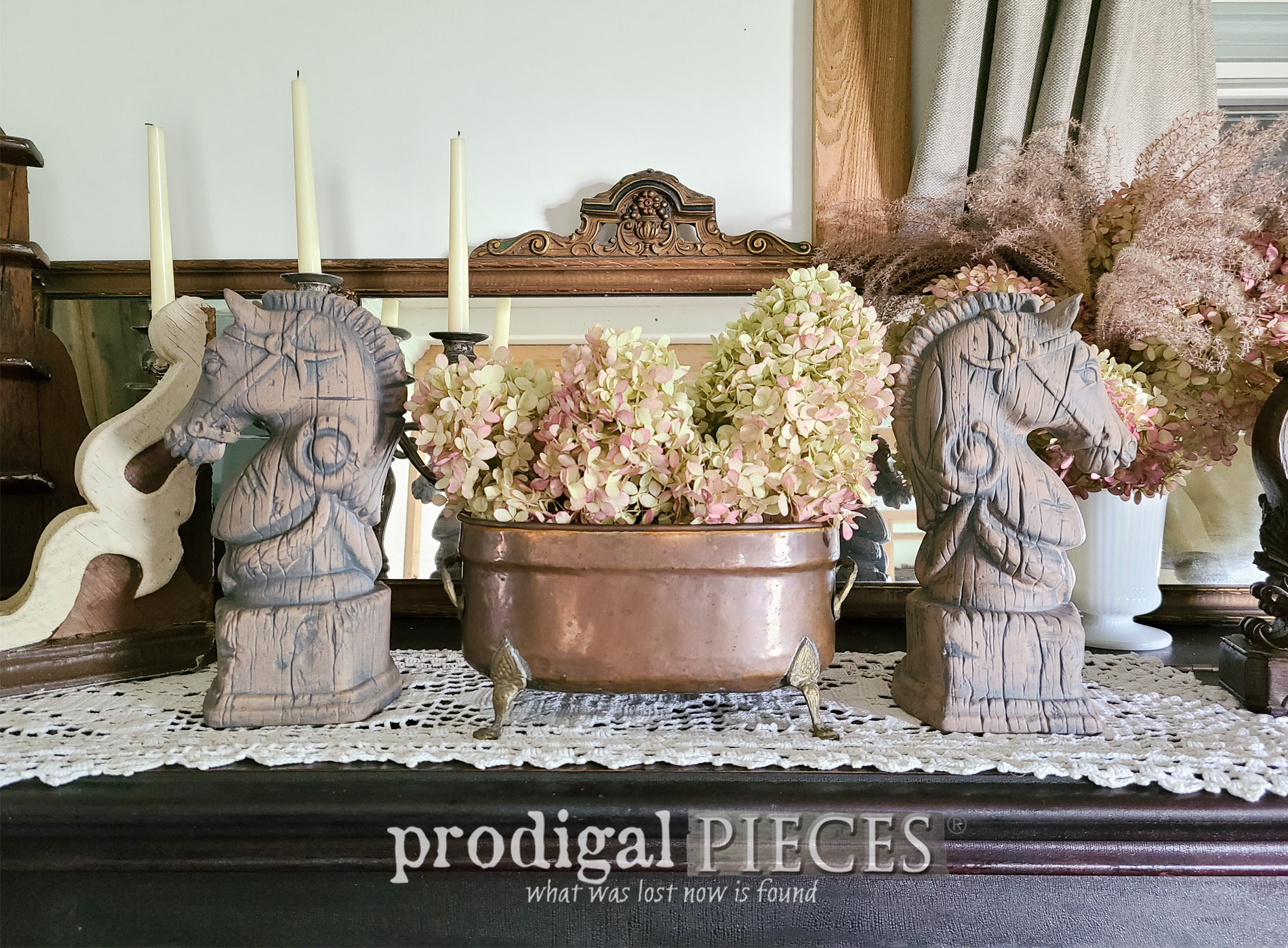 Featured Vintage Horse Head Bookends with Glazing Technique by Larissa of Prodigal Pieces | prodigalpieces.com #prodigalpieces #vintage #home #homedecor #farmhouse